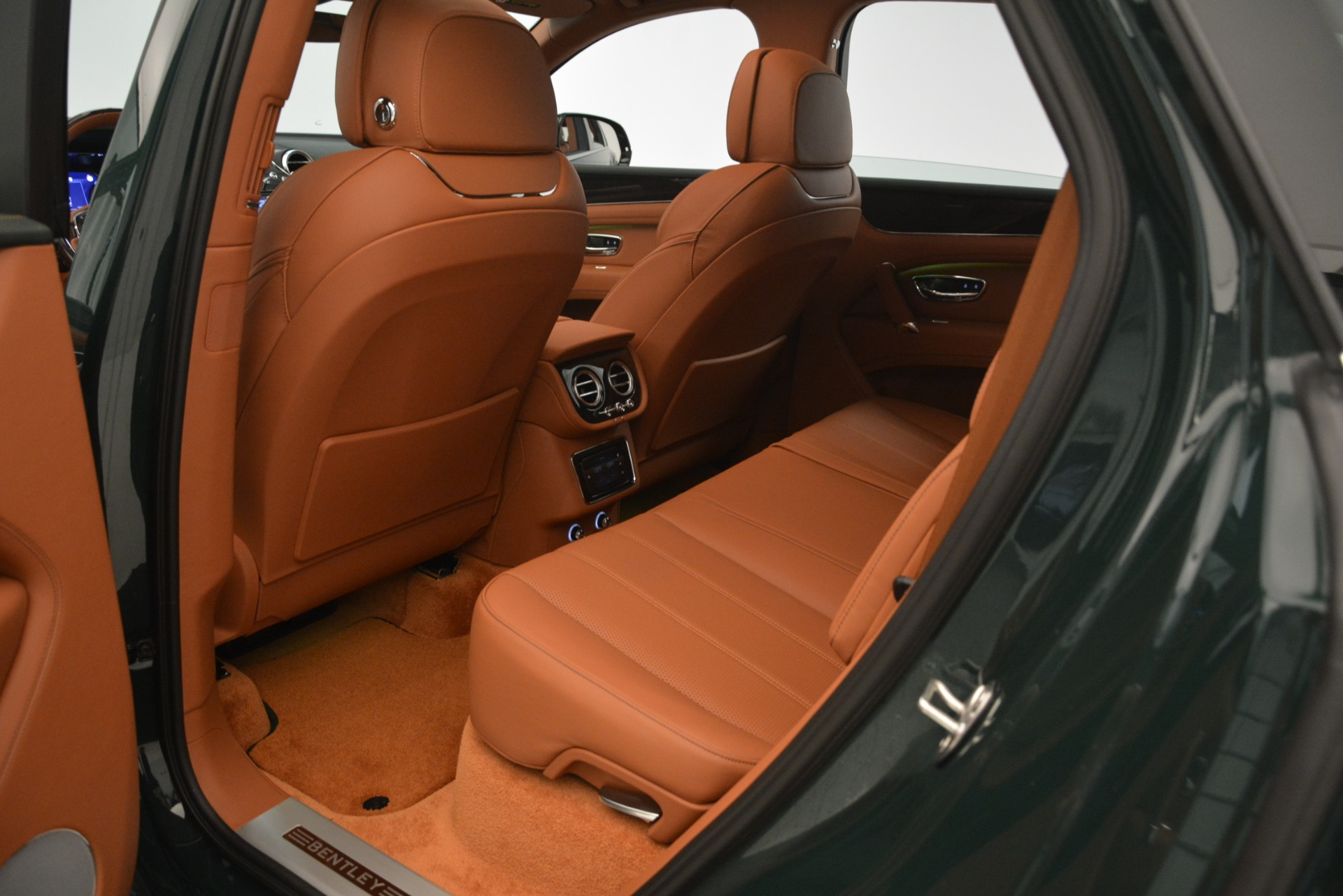 New 2019 Bentley Bentayga V8 For Sale In Westport, CT 2940_p21