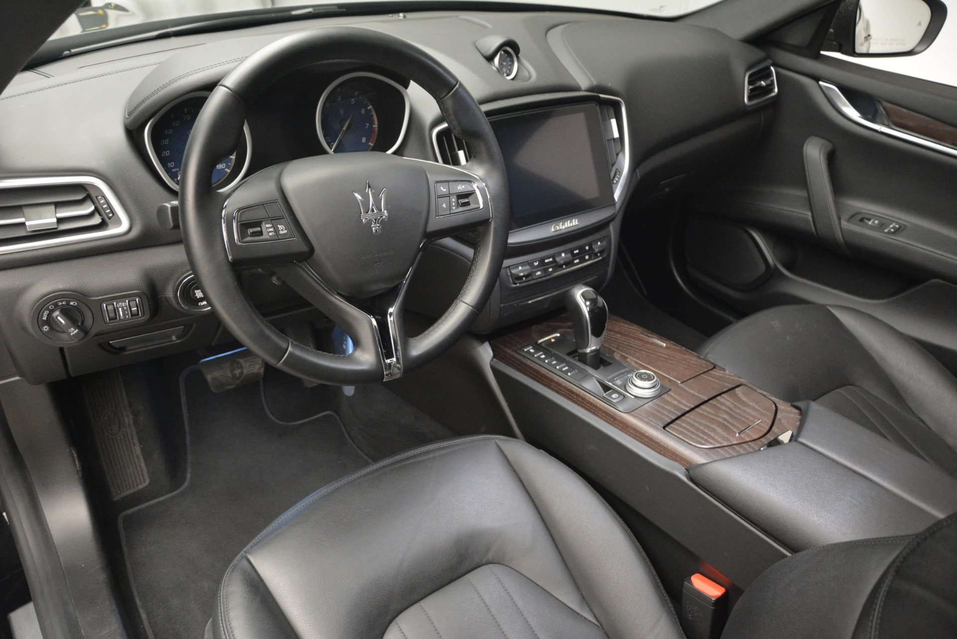 Used 2018 Maserati Ghibli S Q4 For Sale In Westport, CT 2944_p18