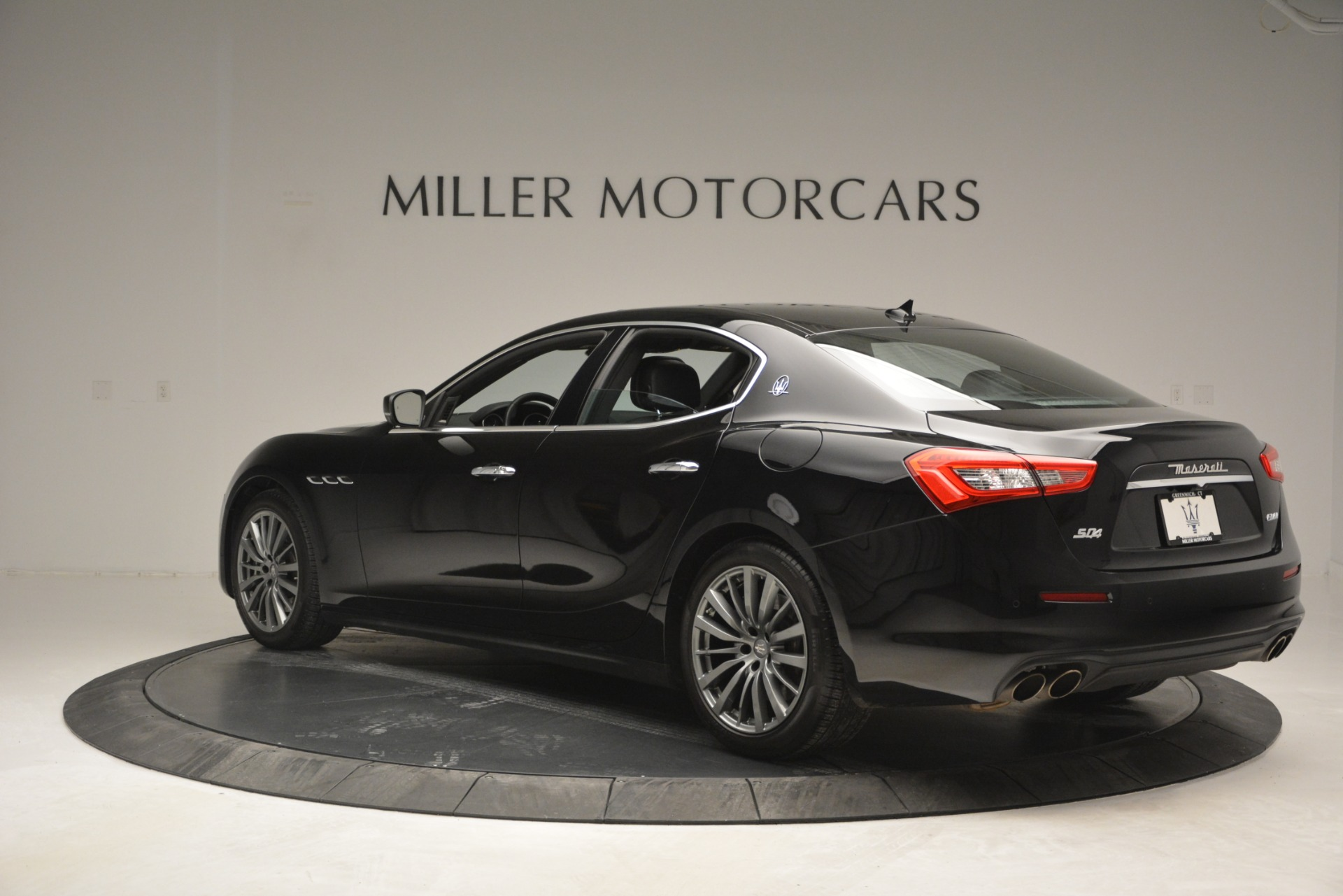 Used 2018 Maserati Ghibli S Q4 For Sale In Westport, CT 2944_p6