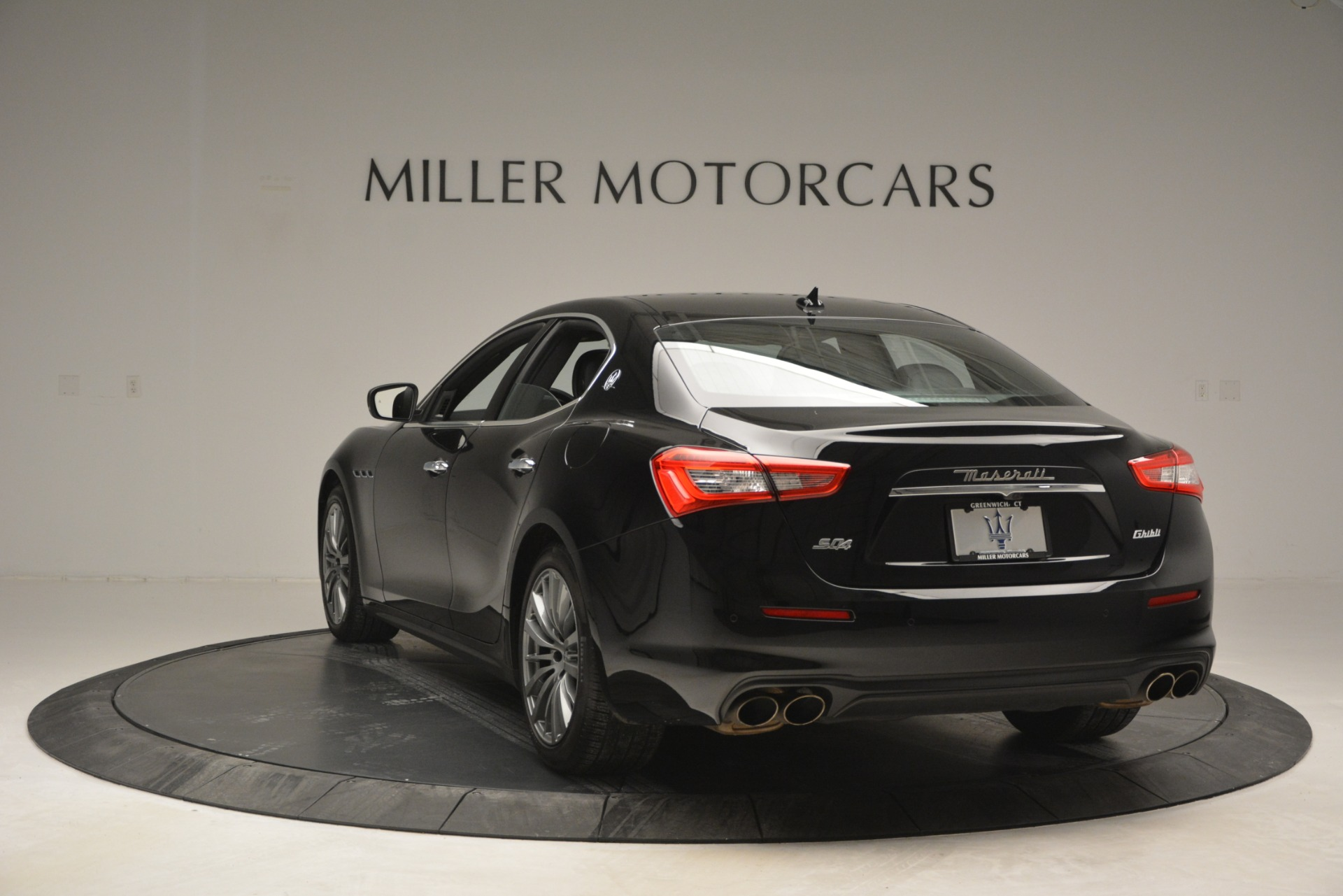 Used 2018 Maserati Ghibli S Q4 For Sale In Westport, CT 2944_p7