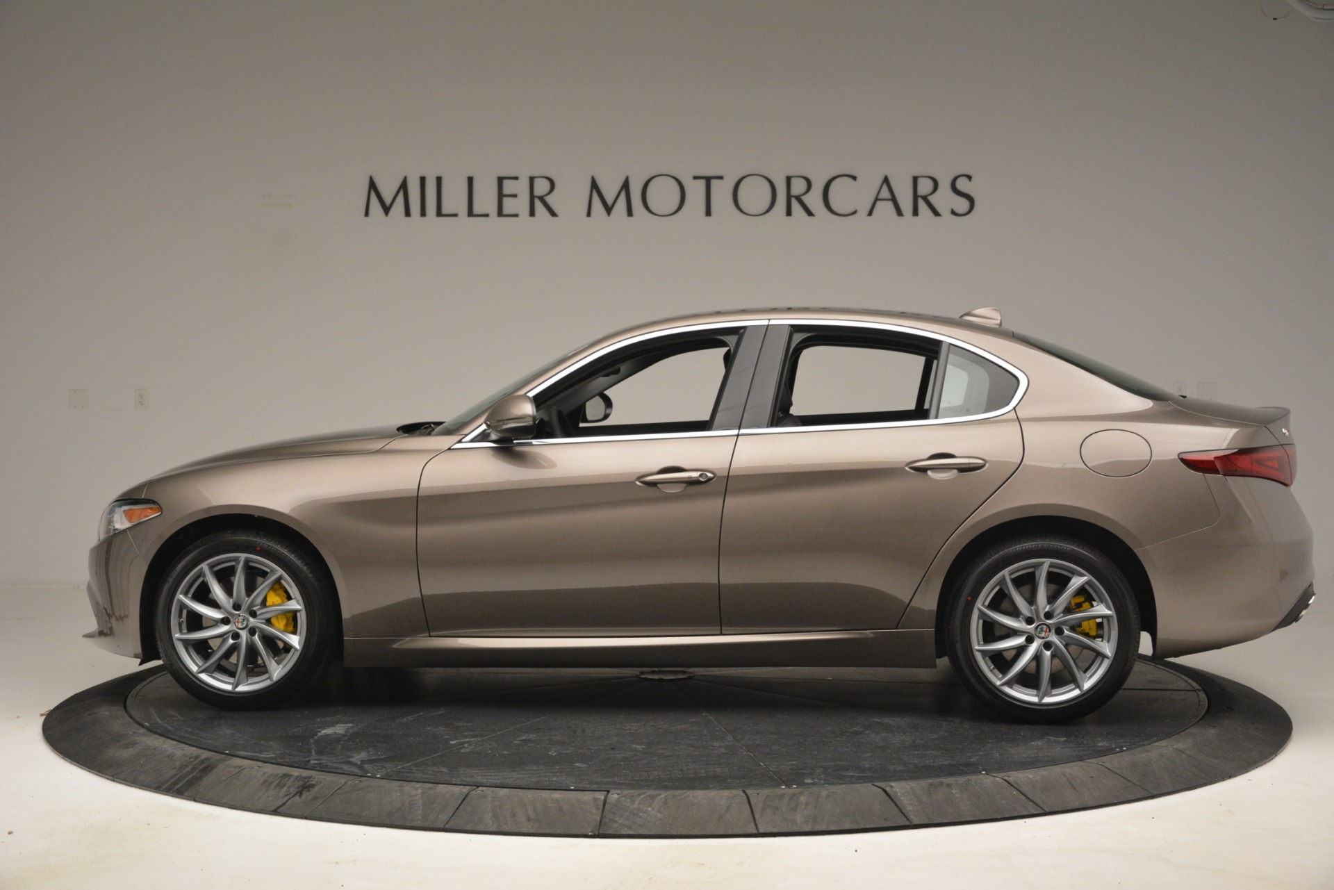 New 2019 Alfa Romeo Giulia Q4 For Sale In Westport, CT 2947_p4