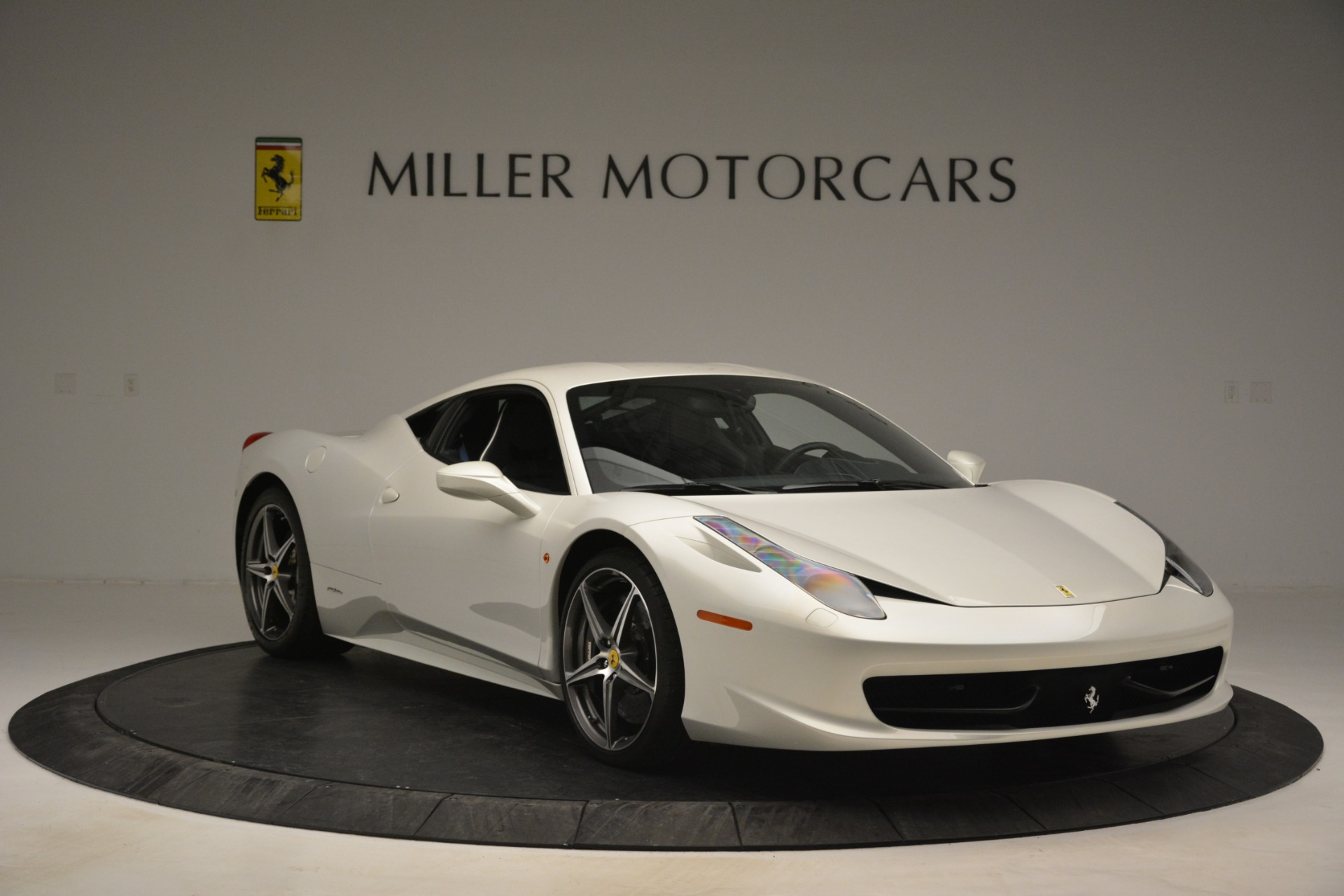 Used 2014 Ferrari 458 Italia  For Sale In Westport, CT 2959_p11
