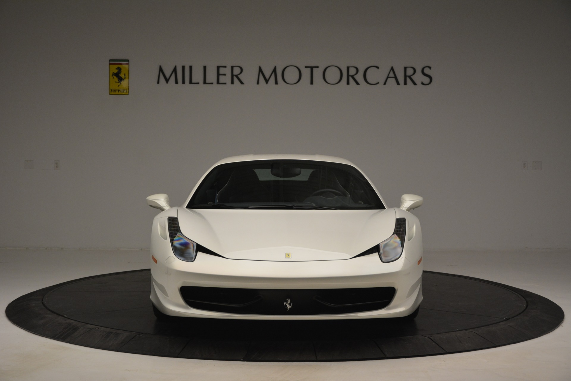 Used 2014 Ferrari 458 Italia  For Sale In Westport, CT 2959_p12