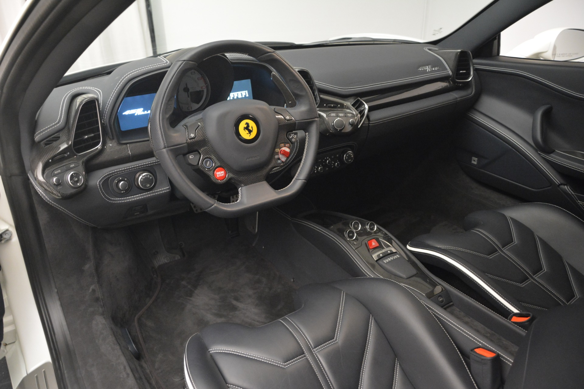Used 2014 Ferrari 458 Italia  For Sale In Westport, CT 2959_p13