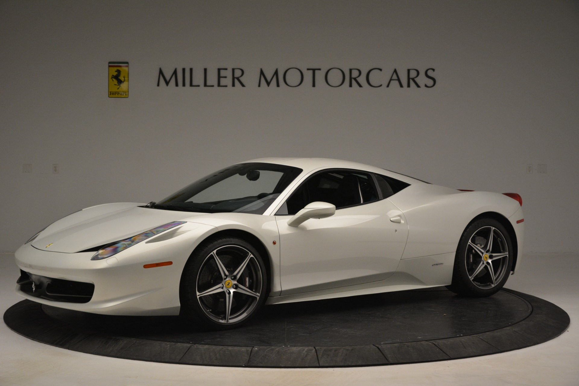 Used 2014 Ferrari 458 Italia  For Sale In Westport, CT 2959_p2