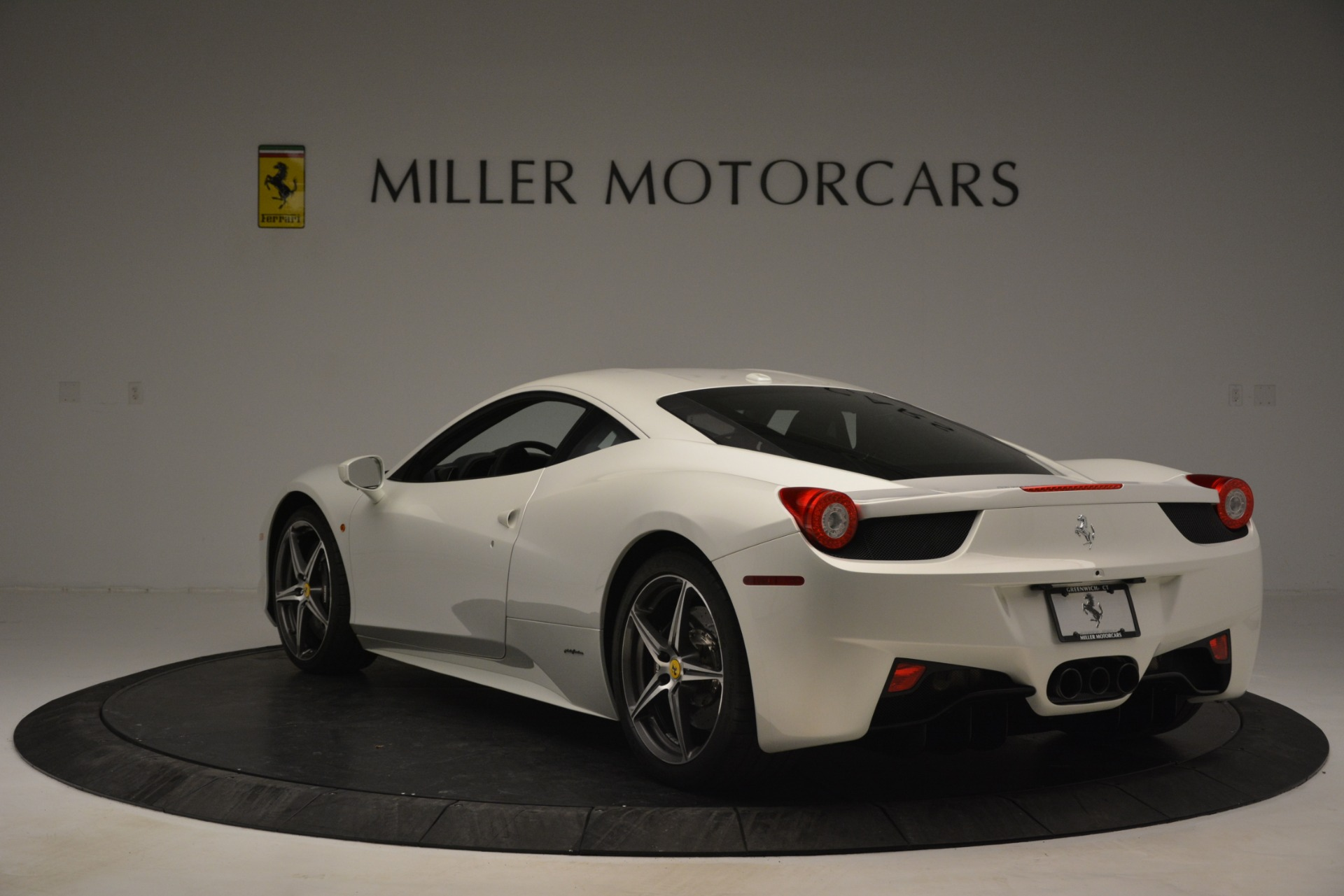 Used 2014 Ferrari 458 Italia  For Sale In Westport, CT 2959_p5