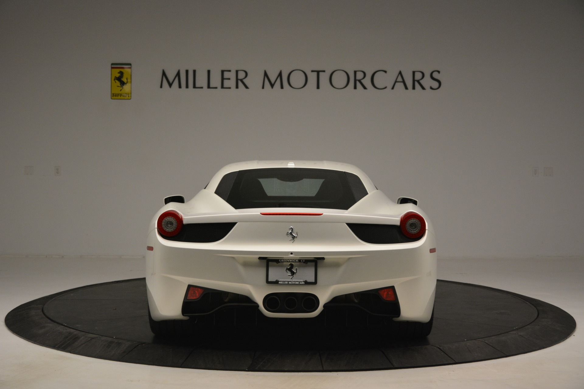 Used 2014 Ferrari 458 Italia  For Sale In Westport, CT 2959_p6