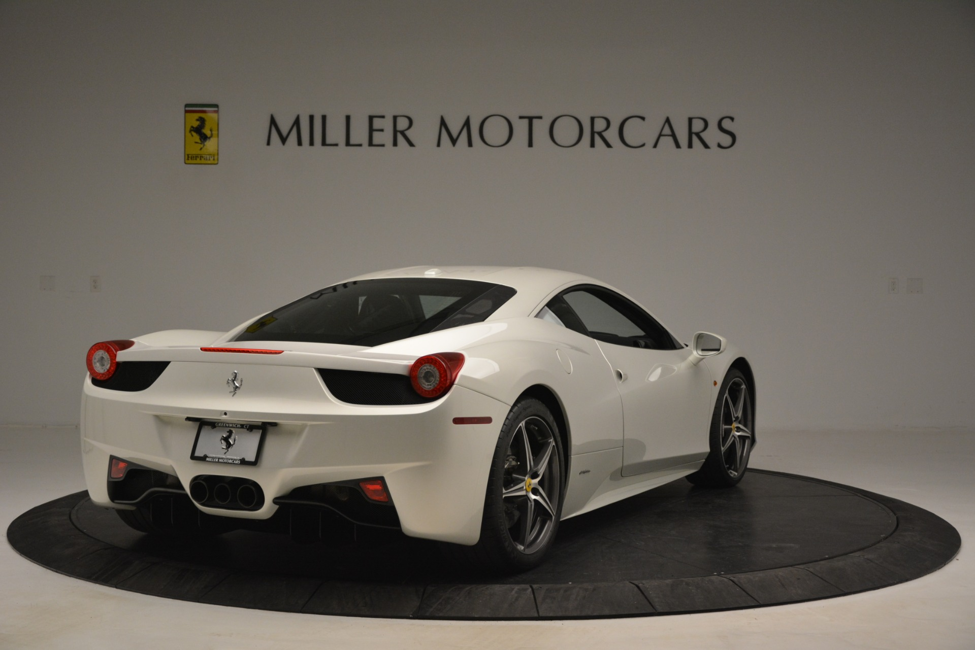 Used 2014 Ferrari 458 Italia  For Sale In Westport, CT 2959_p7