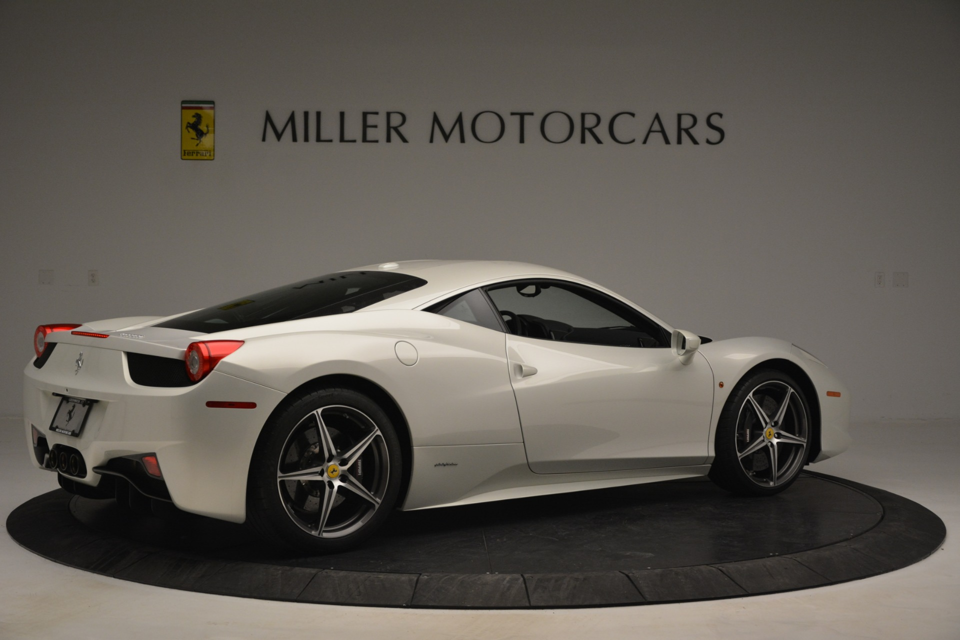 Used 2014 Ferrari 458 Italia  For Sale In Westport, CT 2959_p8