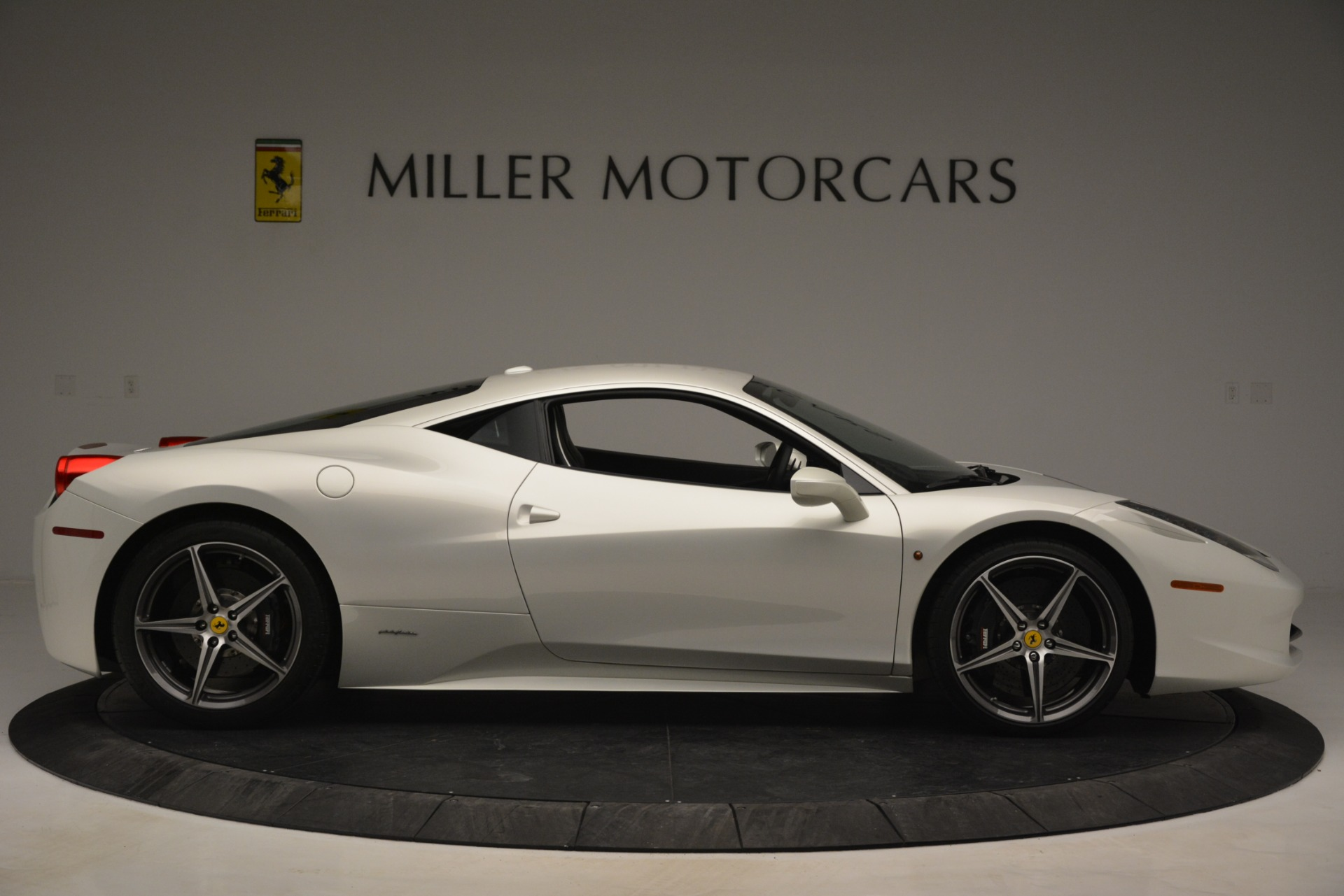 Used 2014 Ferrari 458 Italia  For Sale In Westport, CT 2959_p9