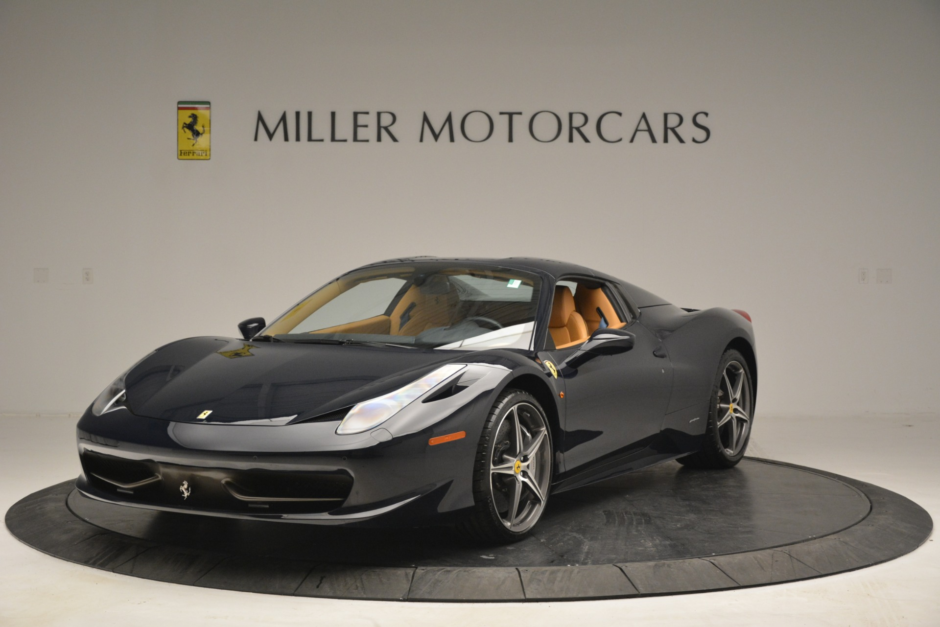 Used 2014 Ferrari 458 Spider  For Sale In Westport, CT 2964_p13