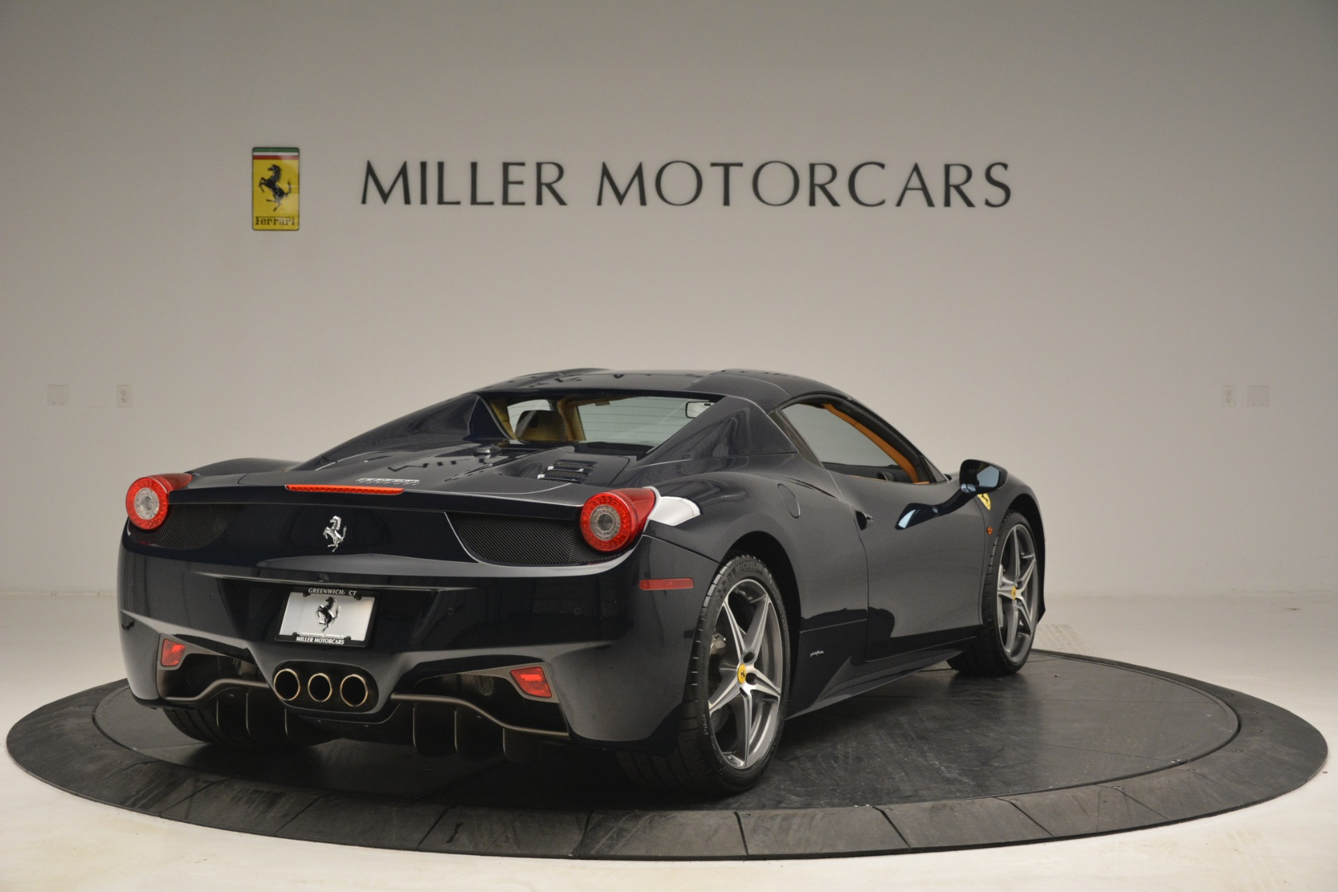 Used 2014 Ferrari 458 Spider  For Sale In Westport, CT 2964_p19