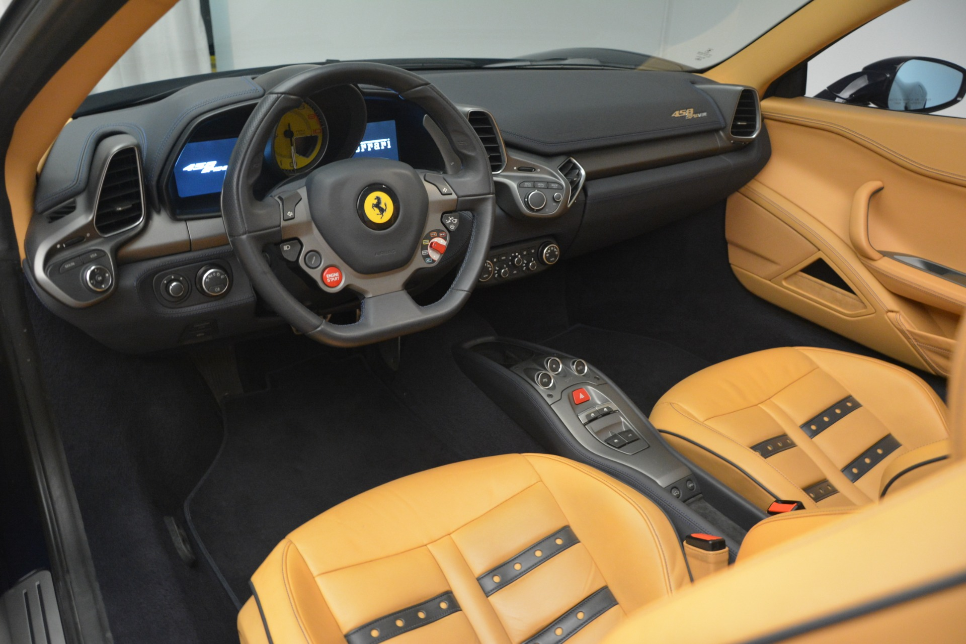 Used 2014 Ferrari 458 Spider  For Sale In Westport, CT 2964_p25
