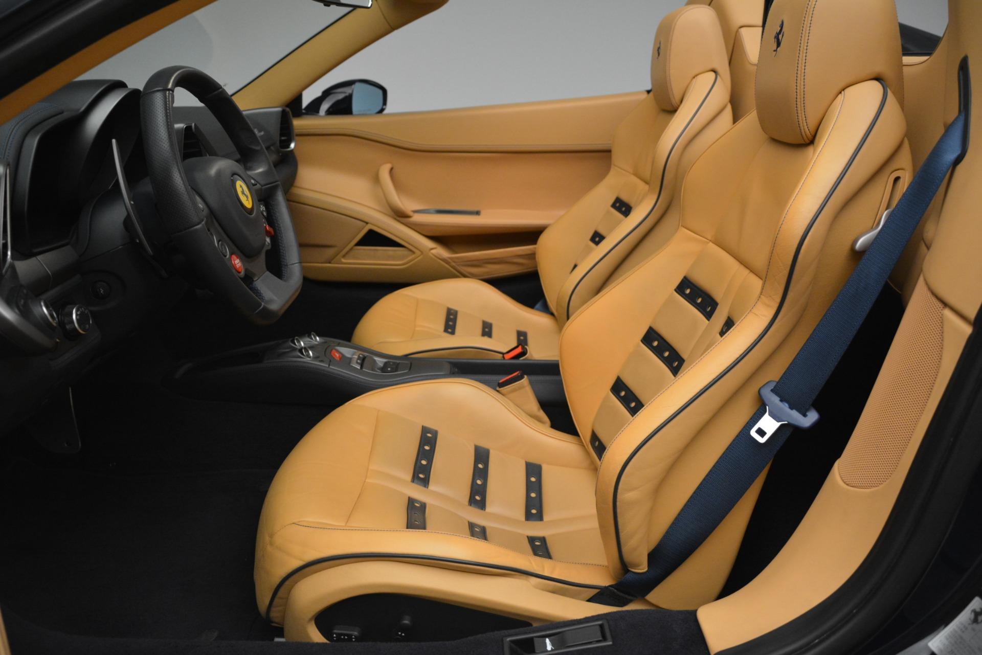 Used 2014 Ferrari 458 Spider  For Sale In Westport, CT 2964_p26