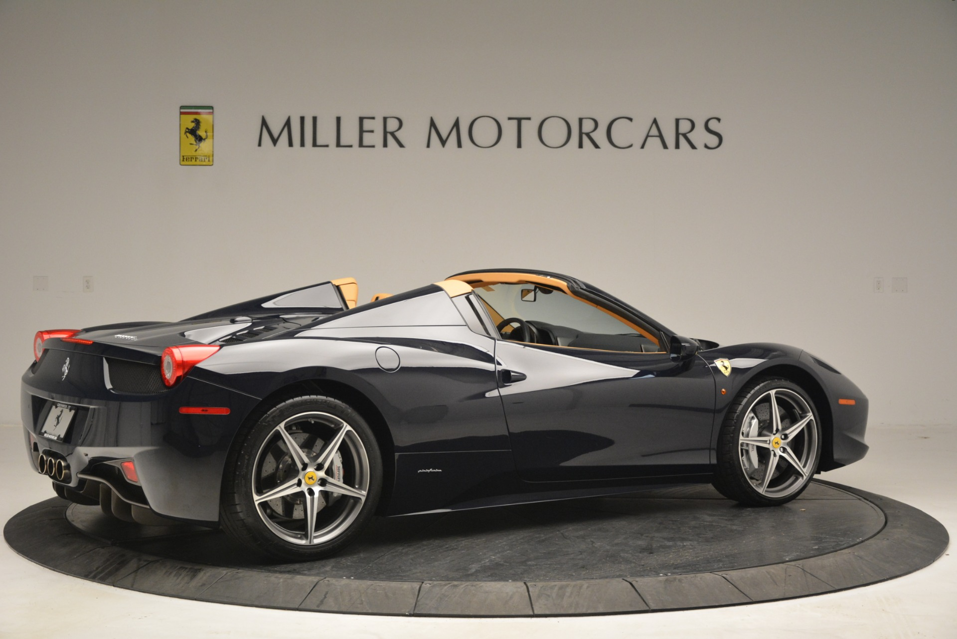 Used 2014 Ferrari 458 Spider  For Sale In Westport, CT 2964_p8