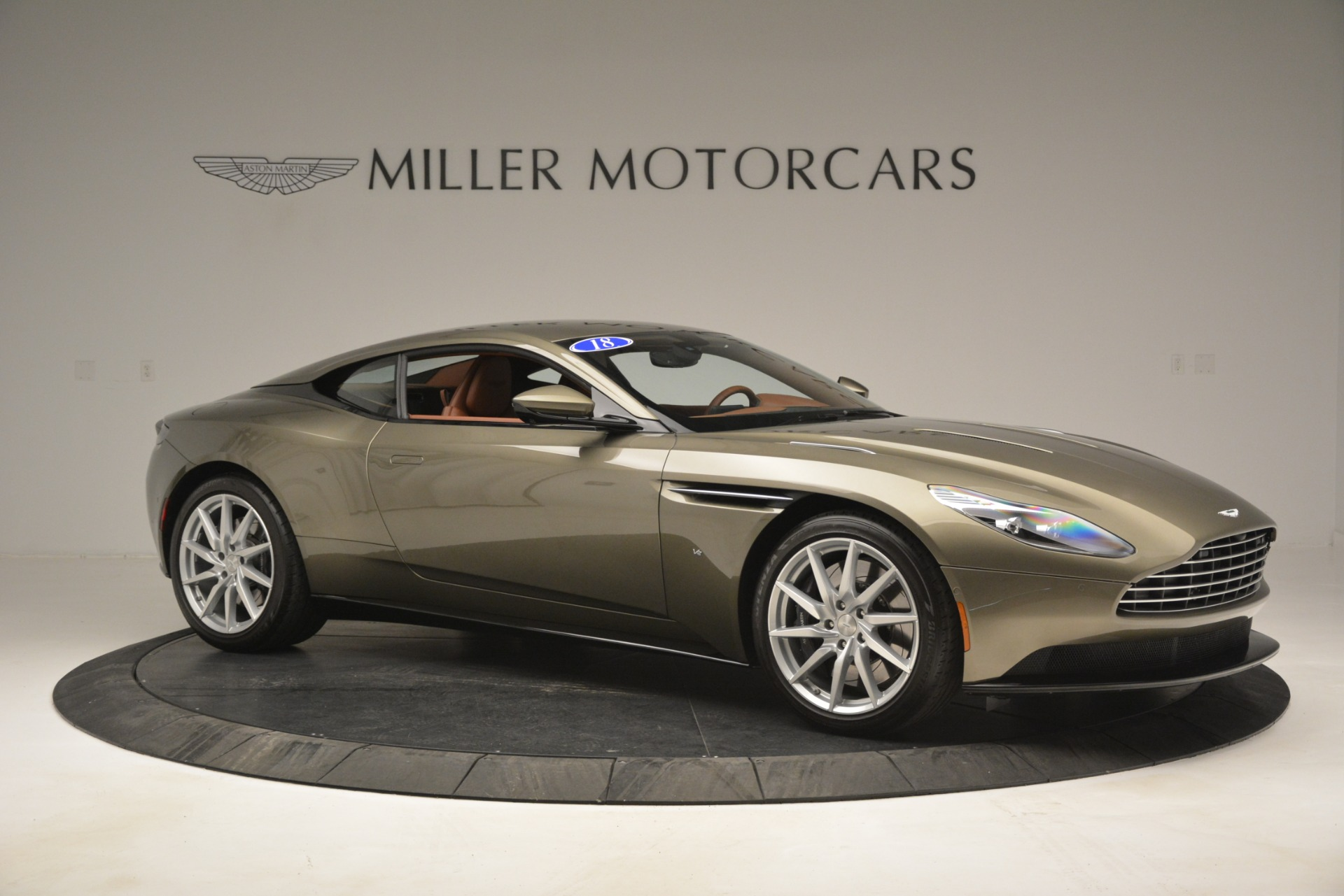 Used 2018 Aston Martin DB11 V12 Coupe For Sale In Westport, CT 2970_p10