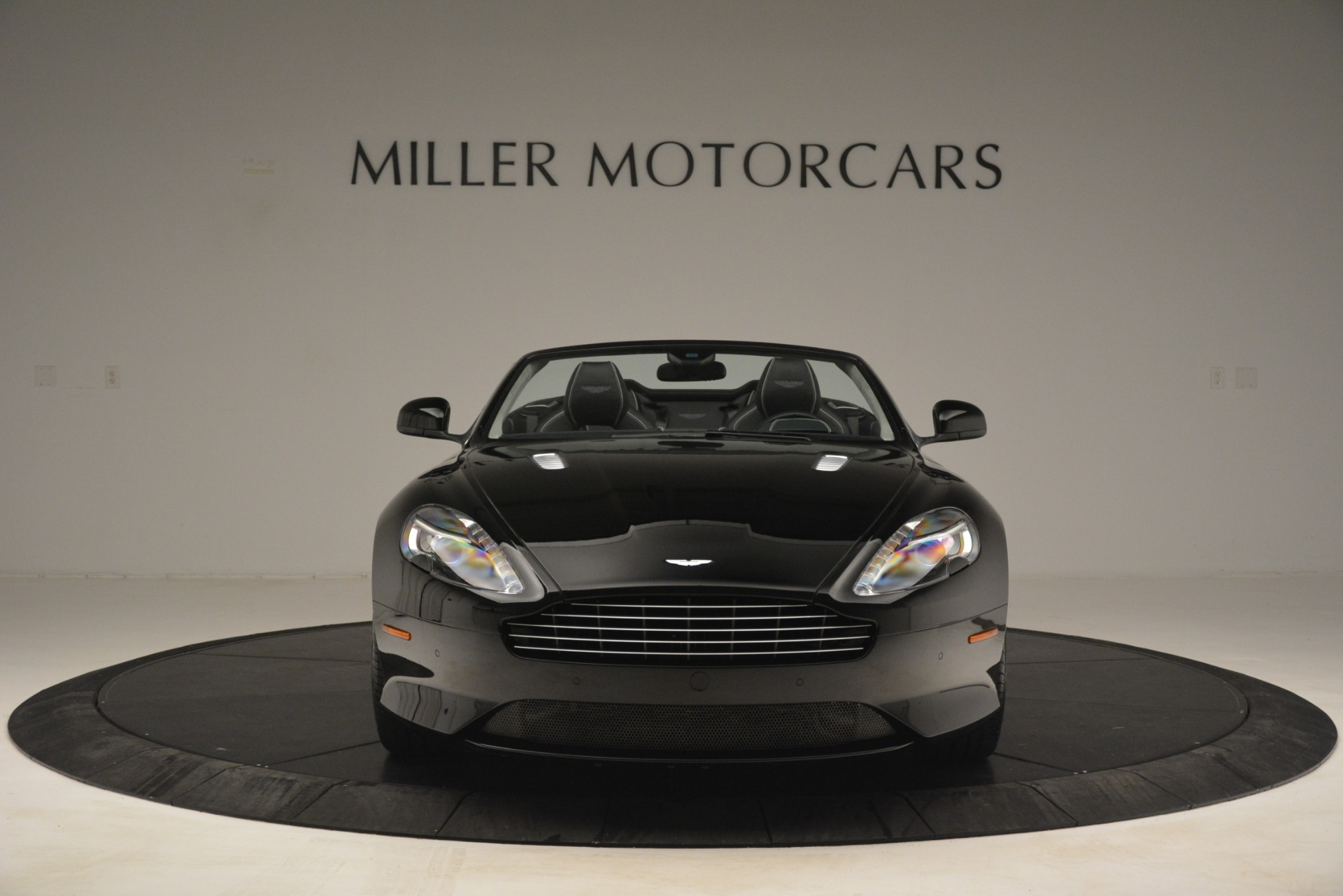 Used 2016 Aston Martin DB9 Convertible For Sale In Westport, CT 2971_p12