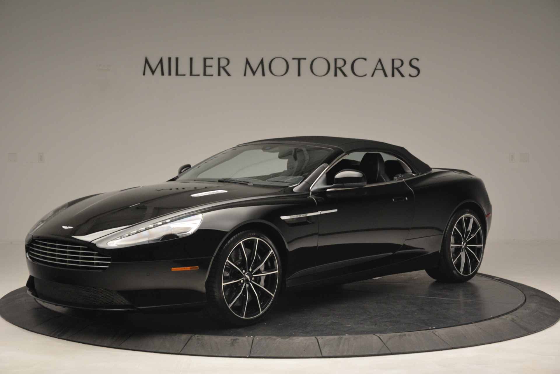 Used 2016 Aston Martin DB9 Convertible For Sale In Westport, CT 2971_p24