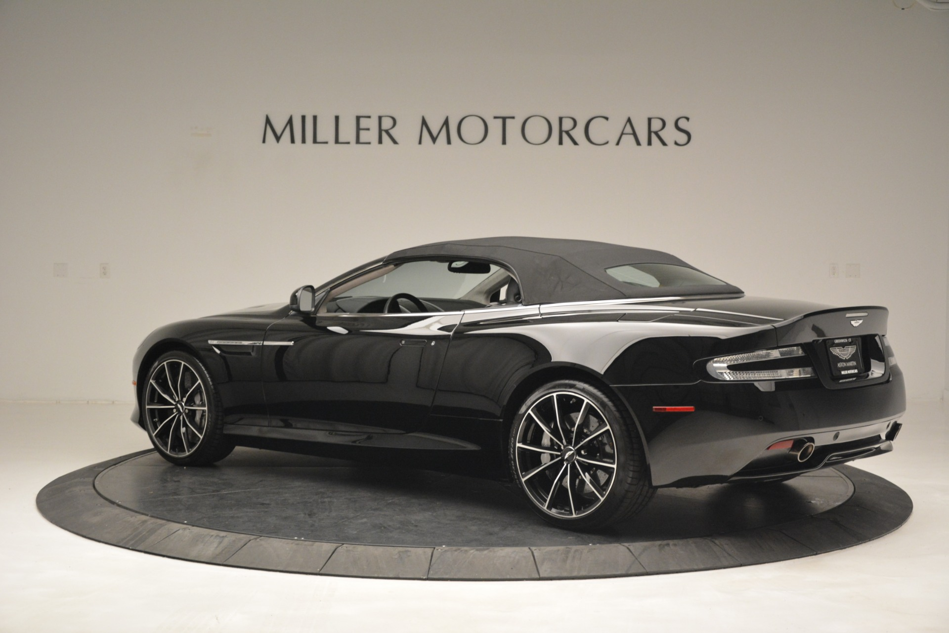 Used 2016 Aston Martin DB9 Convertible For Sale In Westport, CT 2971_p26