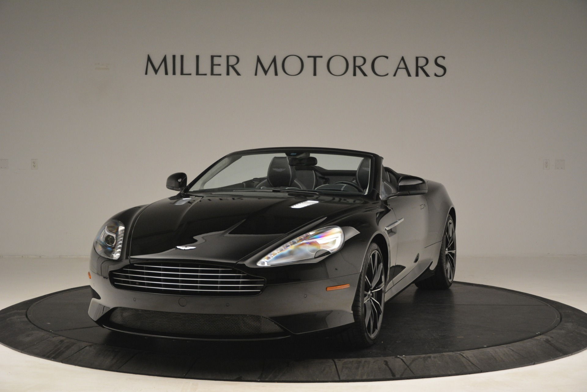 Used 2016 Aston Martin DB9 Convertible For Sale In Westport, CT 2971_p2