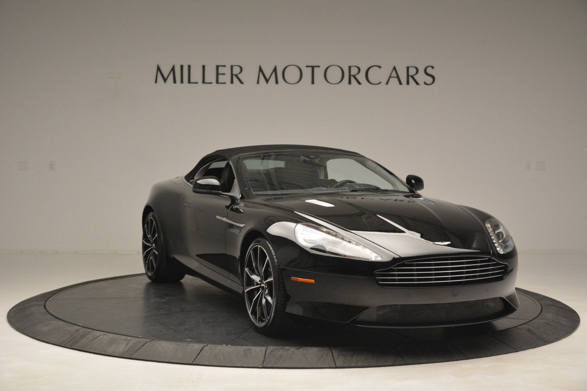 Used 2016 Aston Martin DB9 Convertible For Sale In Westport, CT 2971_p33