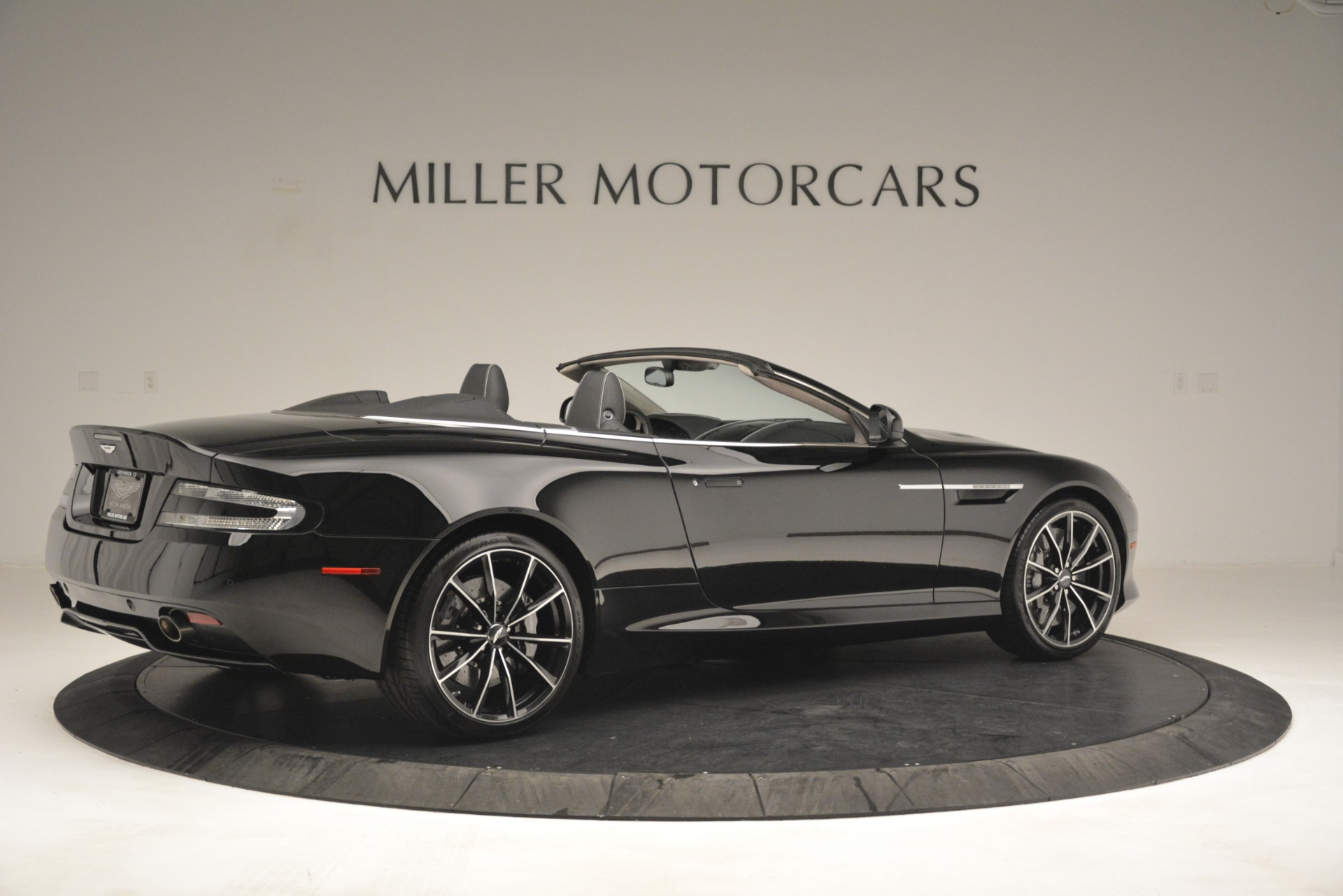 Used 2016 Aston Martin DB9 Convertible For Sale In Westport, CT 2971_p8
