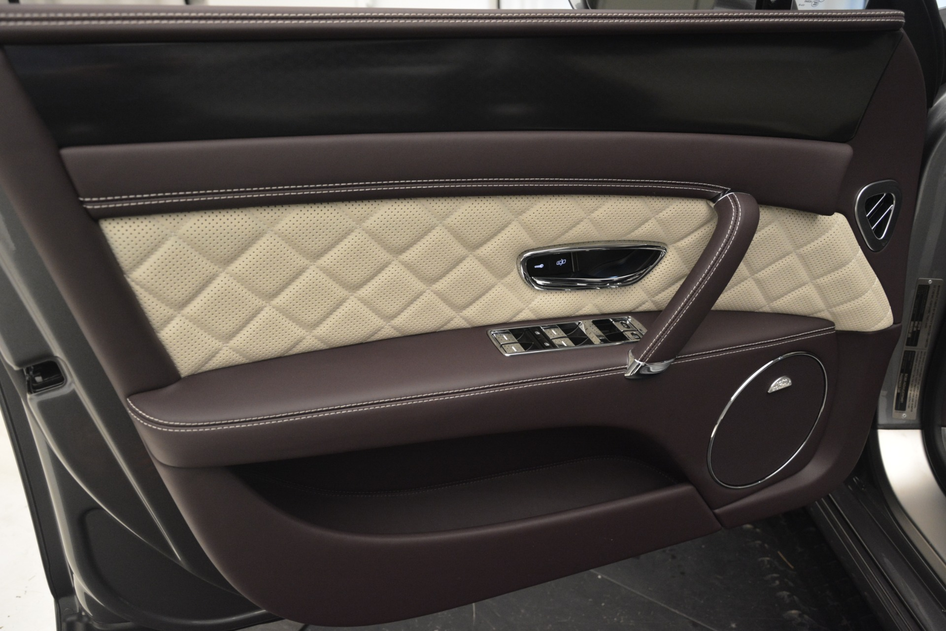 Used 2018 Bentley Flying Spur W12 S For Sale In Westport, CT 2973_p17