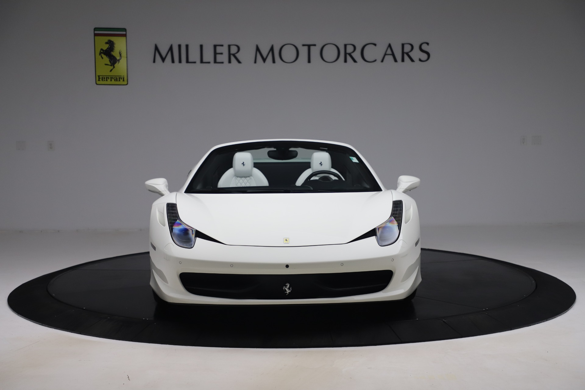 Used 2015 Ferrari 458 Spider  For Sale In Westport, CT 2979_p12
