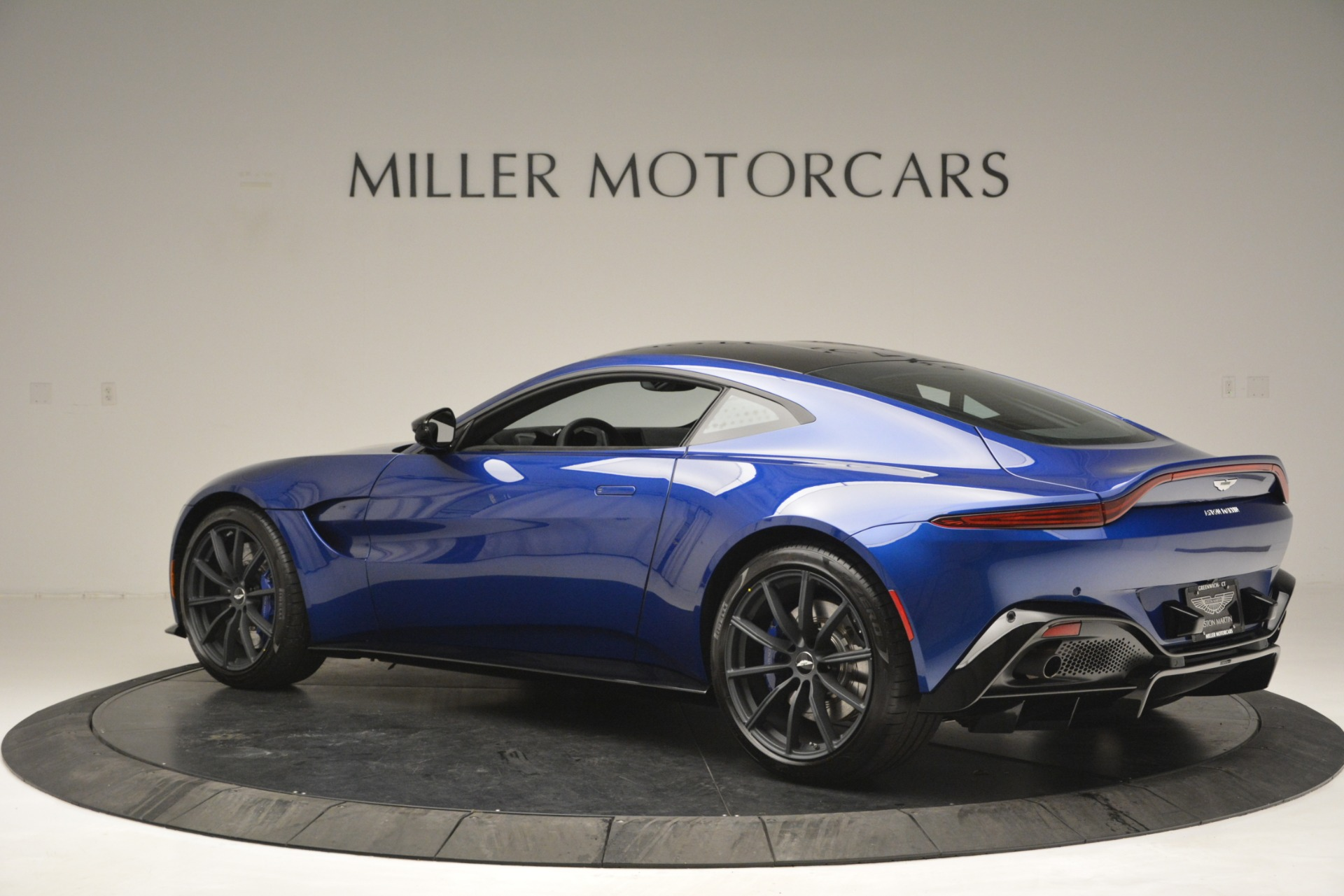 Used 2019 Aston Martin Vantage Coupe For Sale In Westport, CT 2981_p4