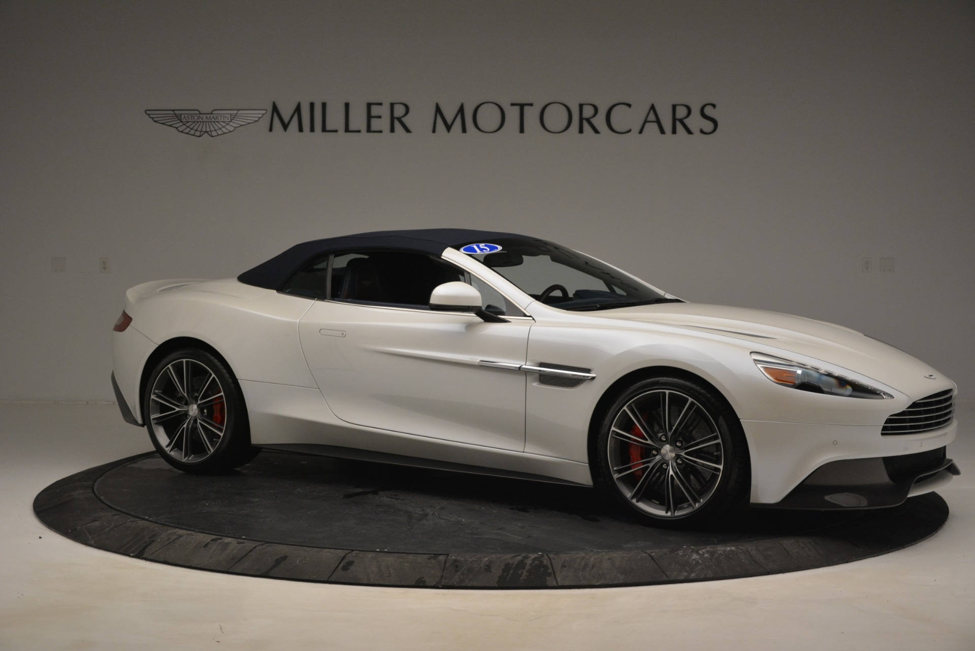Used 2015 Aston Martin Vanquish Convertible For Sale In Westport, CT 2982_p18