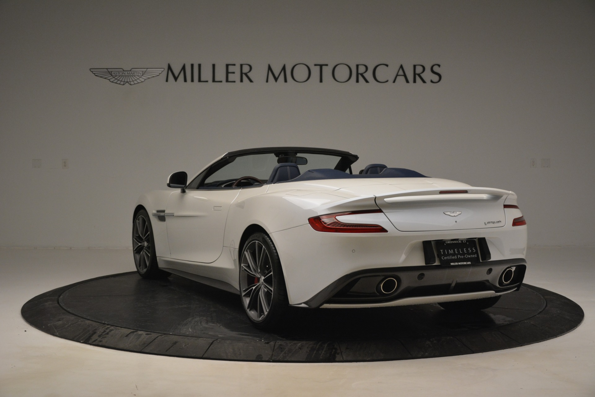 Used 2015 Aston Martin Vanquish Convertible For Sale In Westport, CT 2982_p5