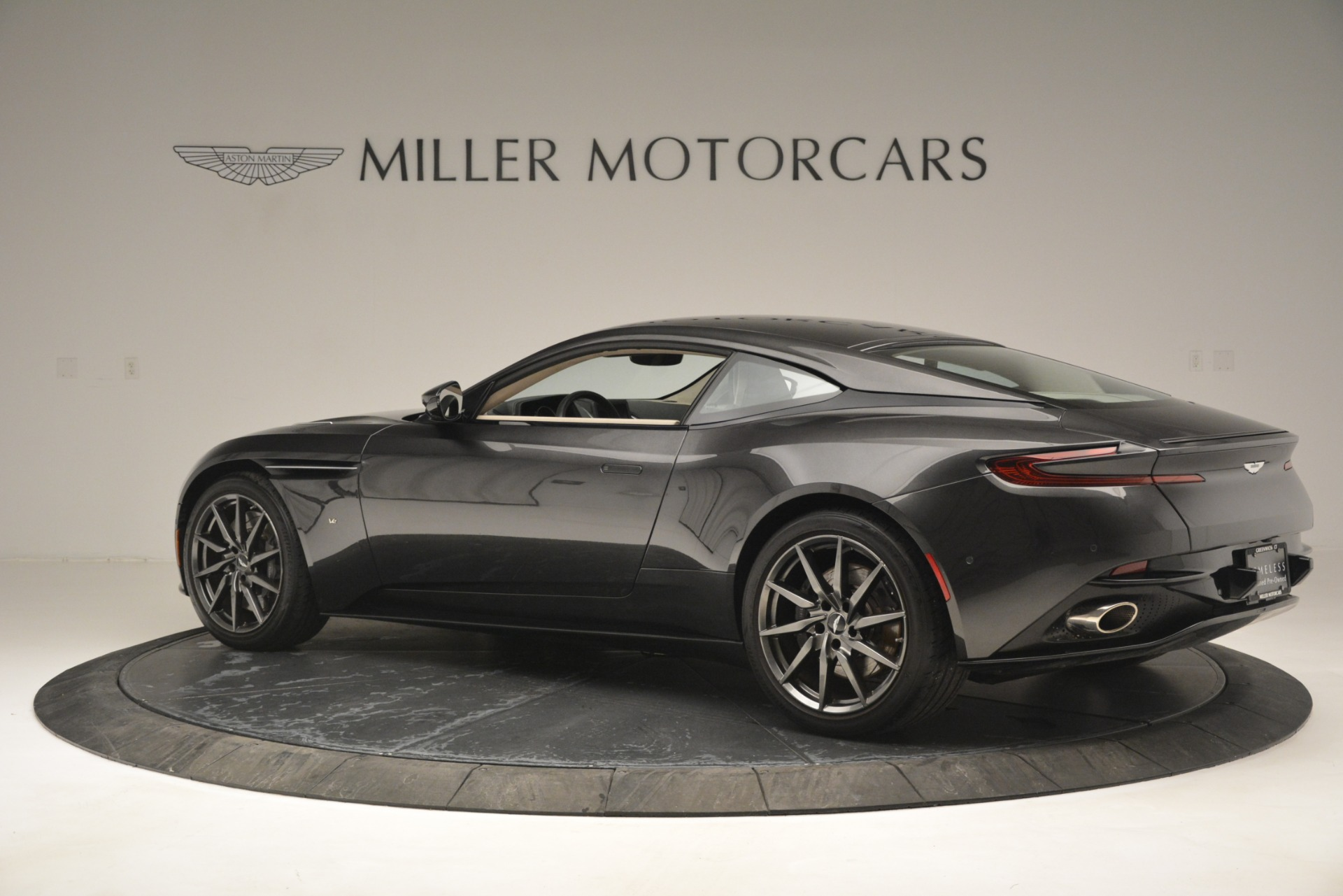 Used 2017 Aston Martin DB11 V12 Coupe For Sale In Westport, CT 2988_p4