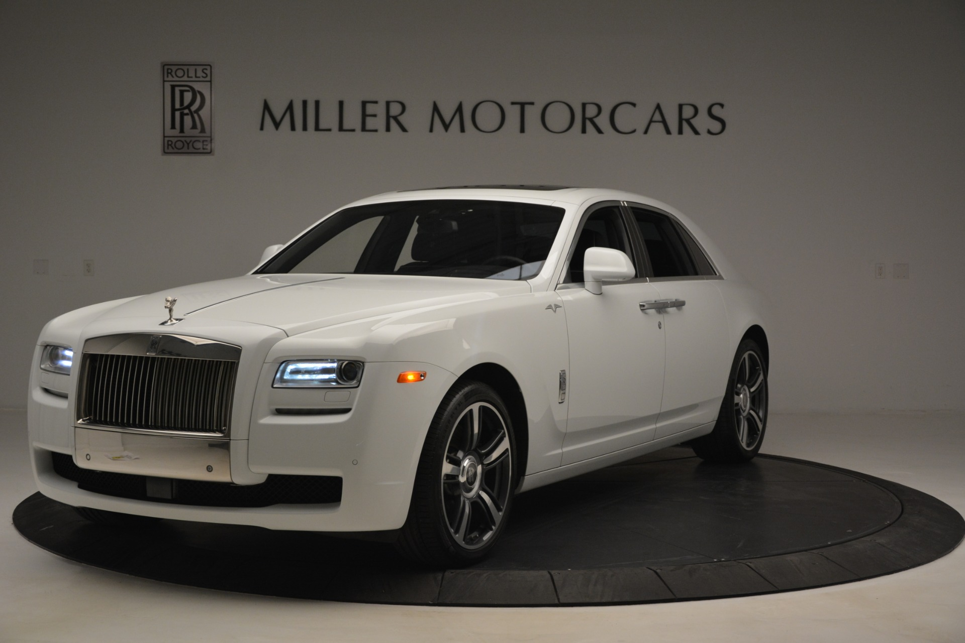Used 2014 Rolls-Royce Ghost V-Spec For Sale In Westport, CT 2989_main