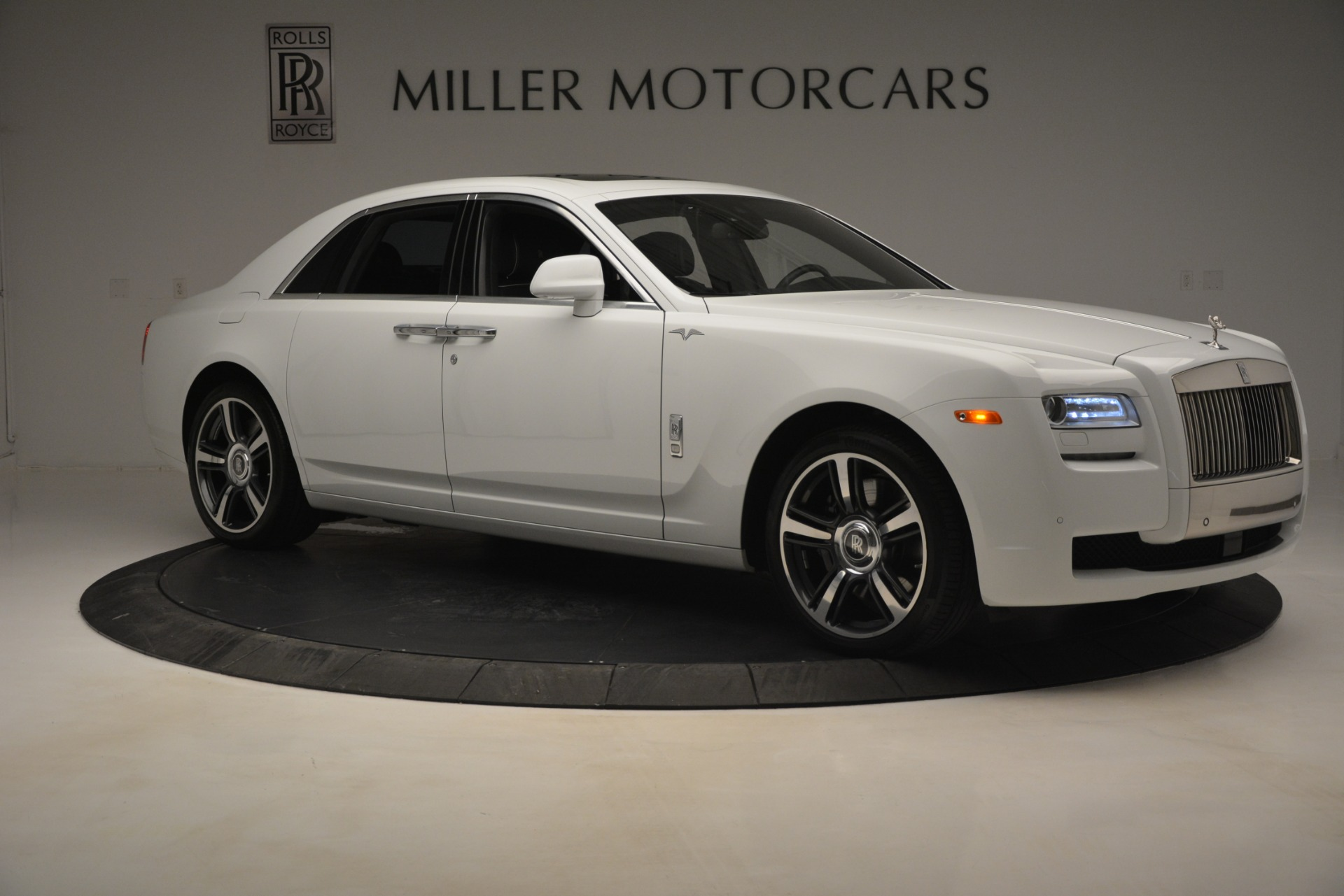 Used 2014 Rolls-Royce Ghost V-Spec For Sale In Westport, CT 2989_p12