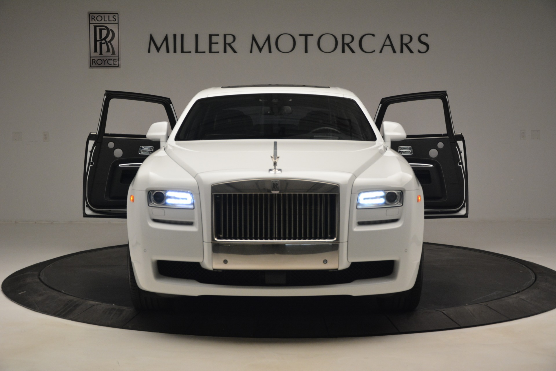 Used 2014 Rolls-Royce Ghost V-Spec For Sale In Westport, CT 2989_p13