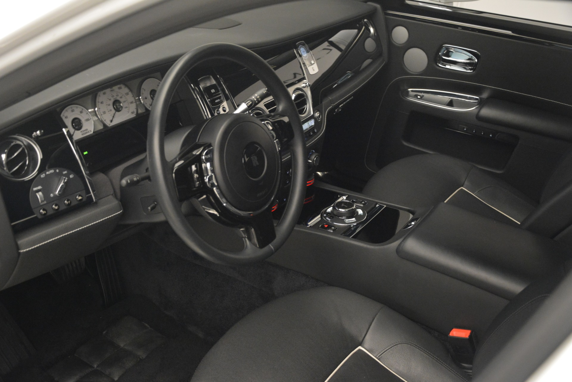 Used 2014 Rolls-Royce Ghost V-Spec For Sale In Westport, CT 2989_p14