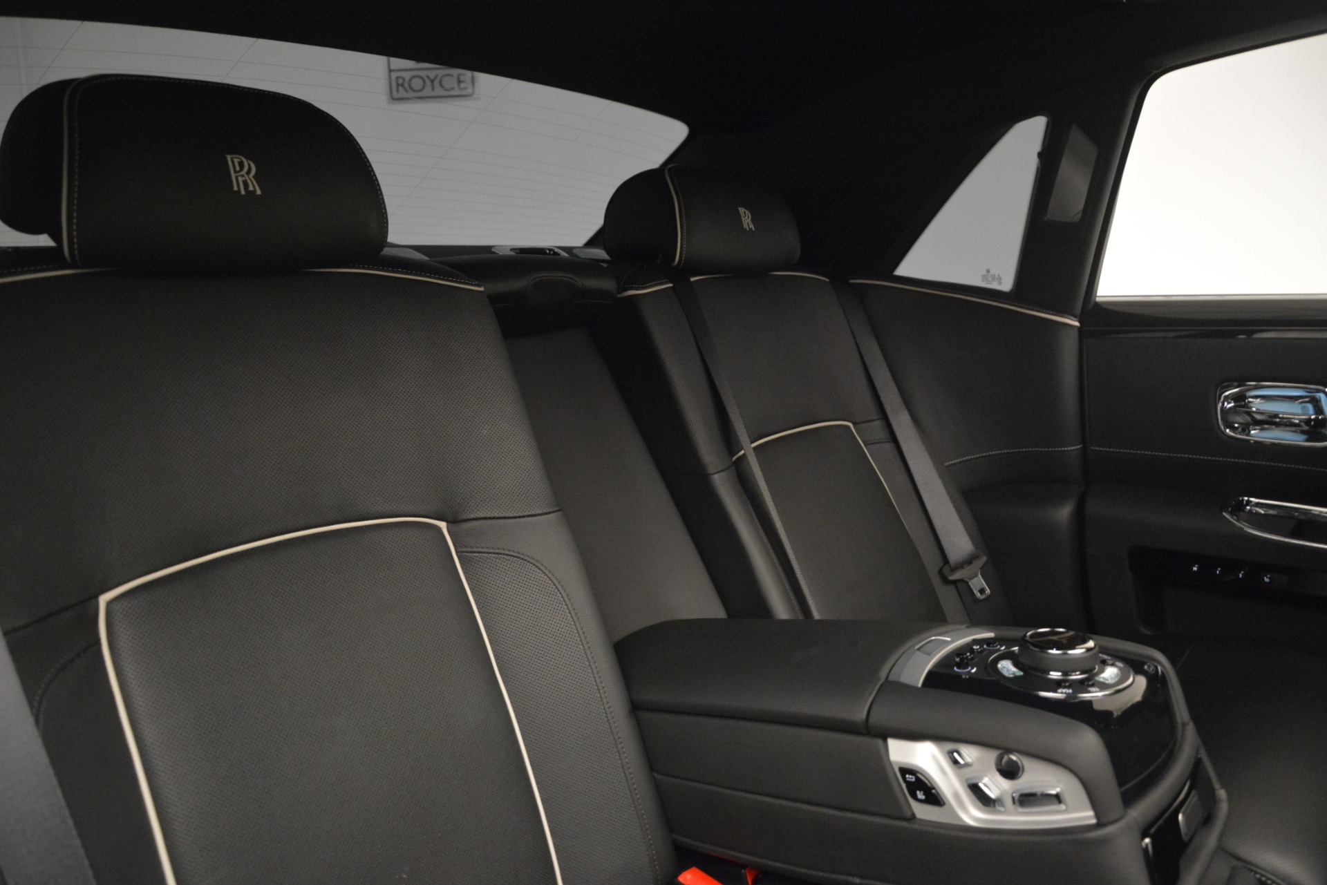Used 2014 Rolls-Royce Ghost V-Spec For Sale In Westport, CT 2989_p25