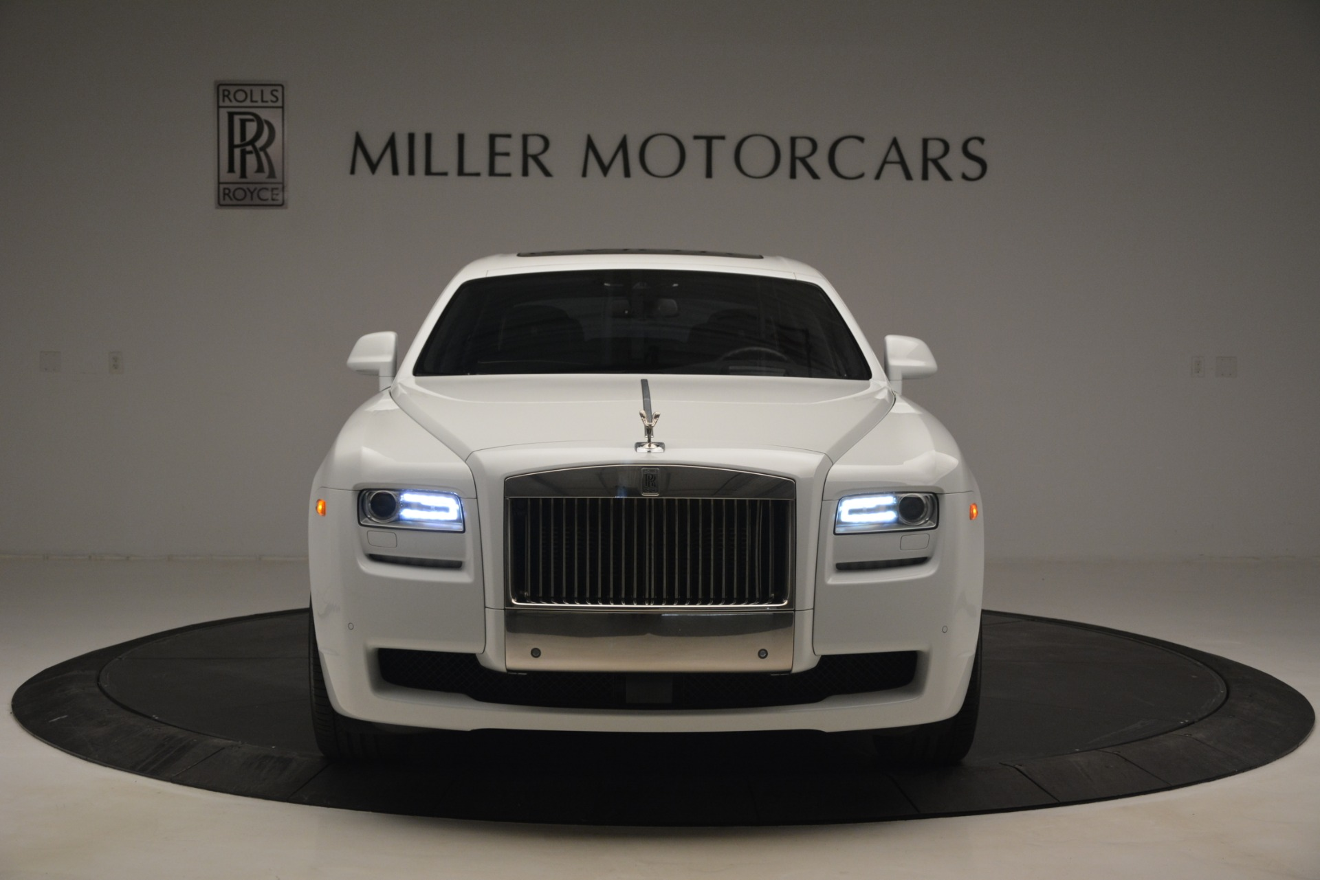 Used 2014 Rolls-Royce Ghost V-Spec For Sale In Westport, CT 2989_p2