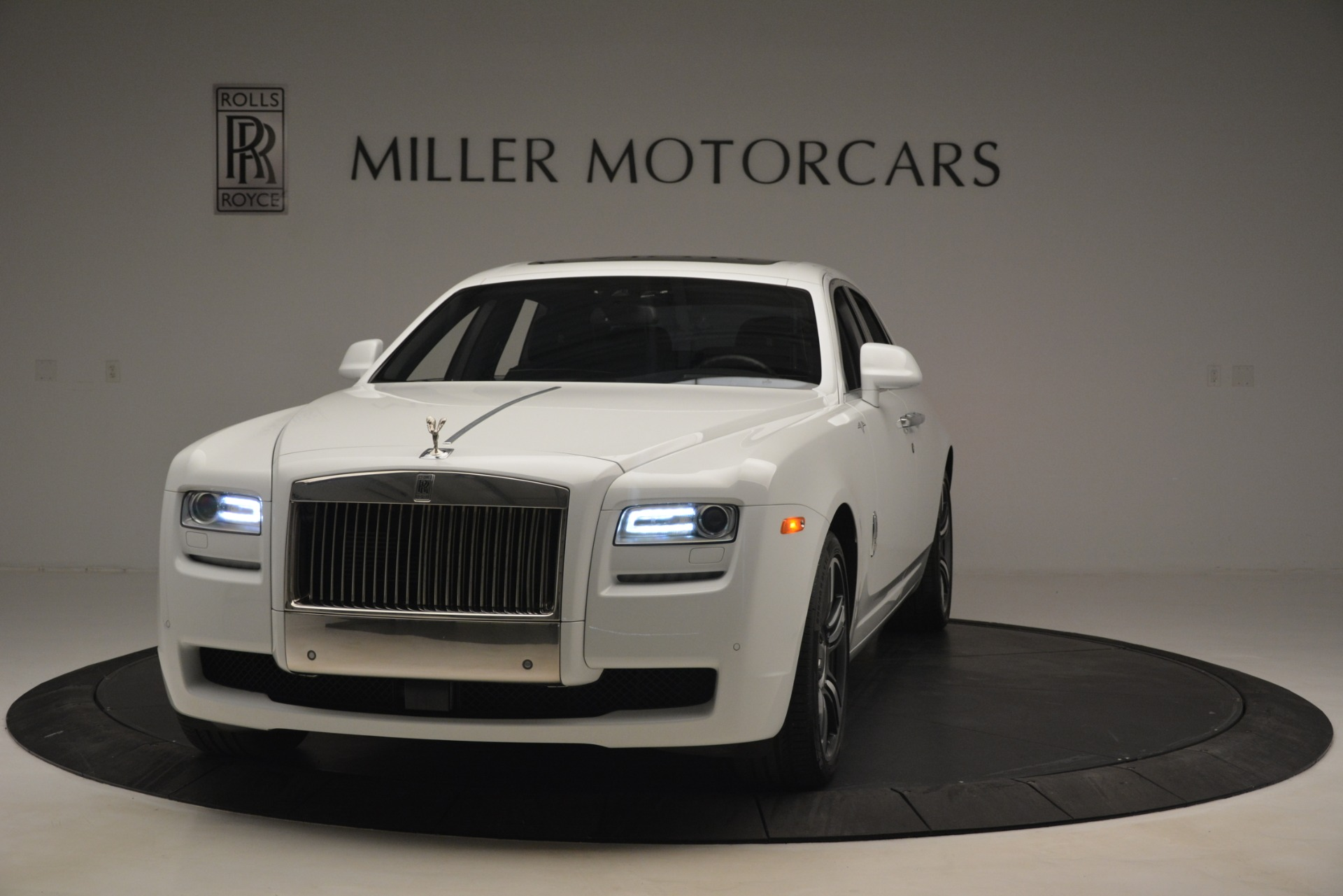 Used 2014 Rolls-Royce Ghost V-Spec For Sale In Westport, CT 2989_p3