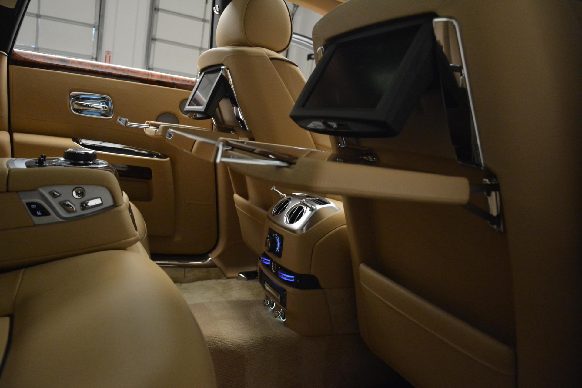 Used 2014 Rolls-Royce Ghost  For Sale In Westport, CT 2990_p23