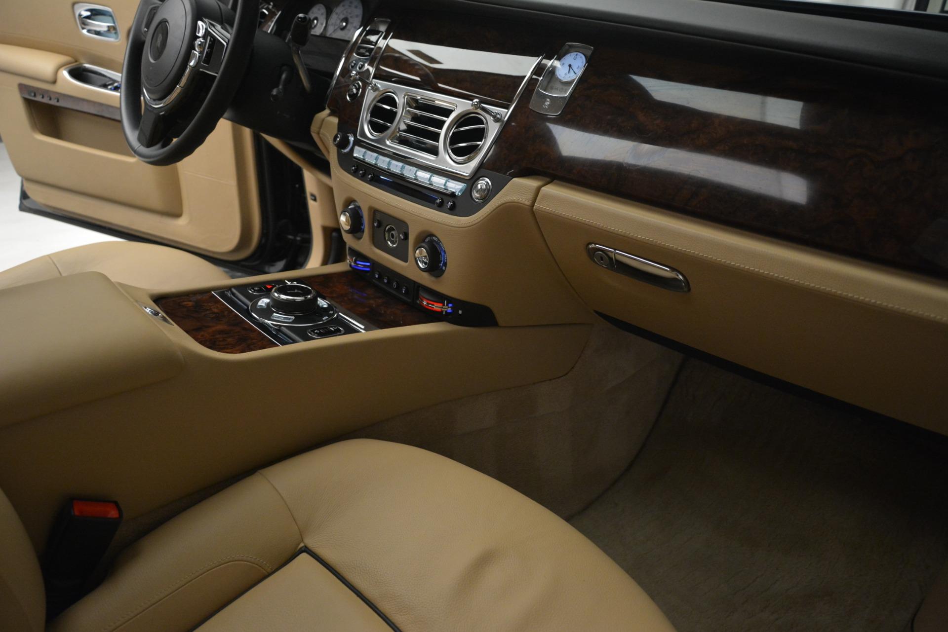 Used 2014 Rolls-Royce Ghost  For Sale In Westport, CT 2990_p26