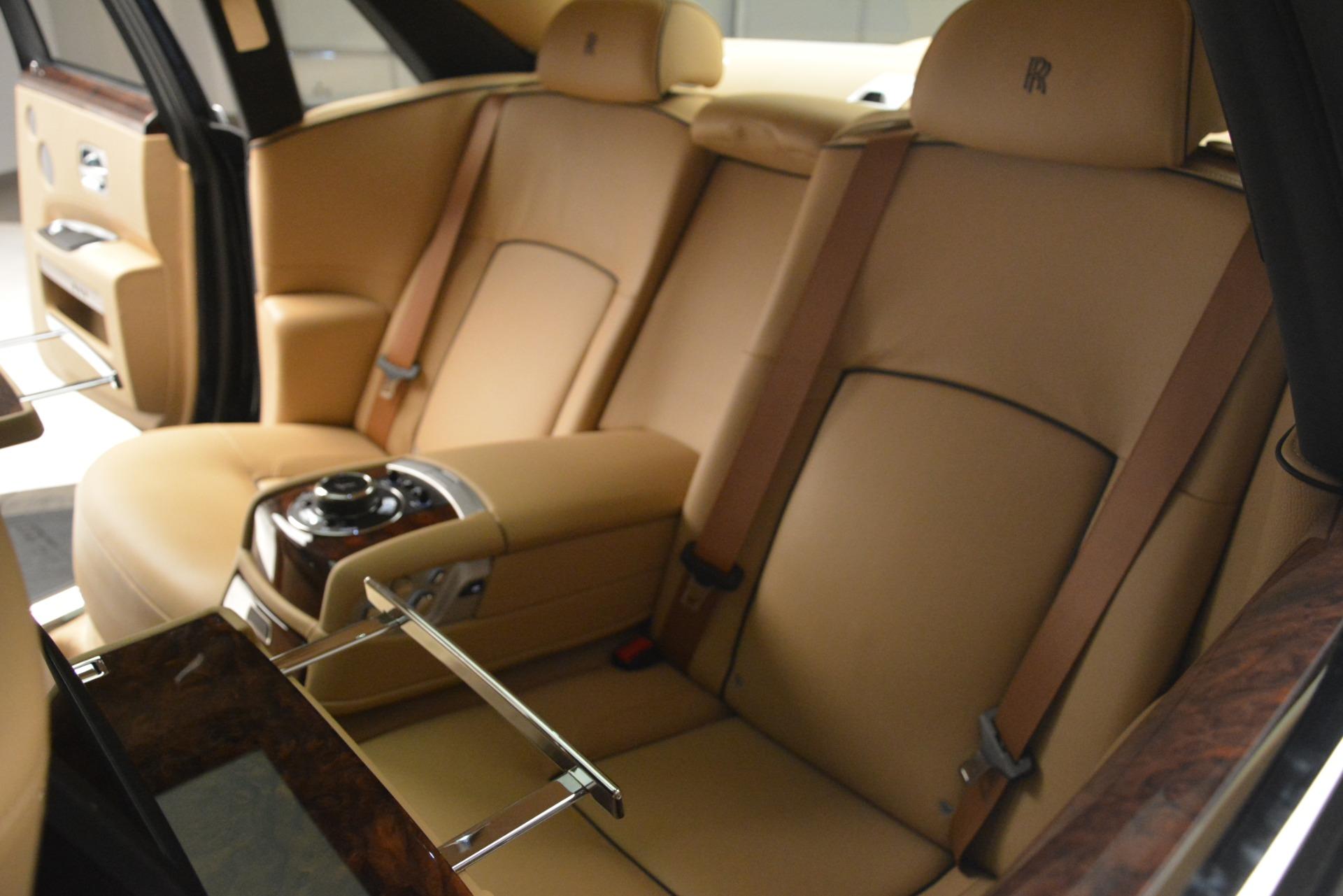 Used 2014 Rolls-Royce Ghost  For Sale In Westport, CT 2990_p32