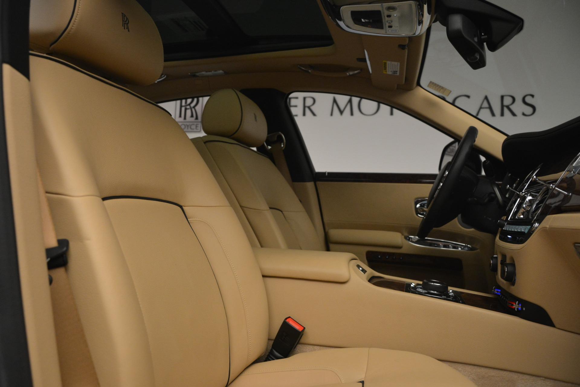 Used 2014 Rolls-Royce Ghost  For Sale In Westport, CT 2990_p34