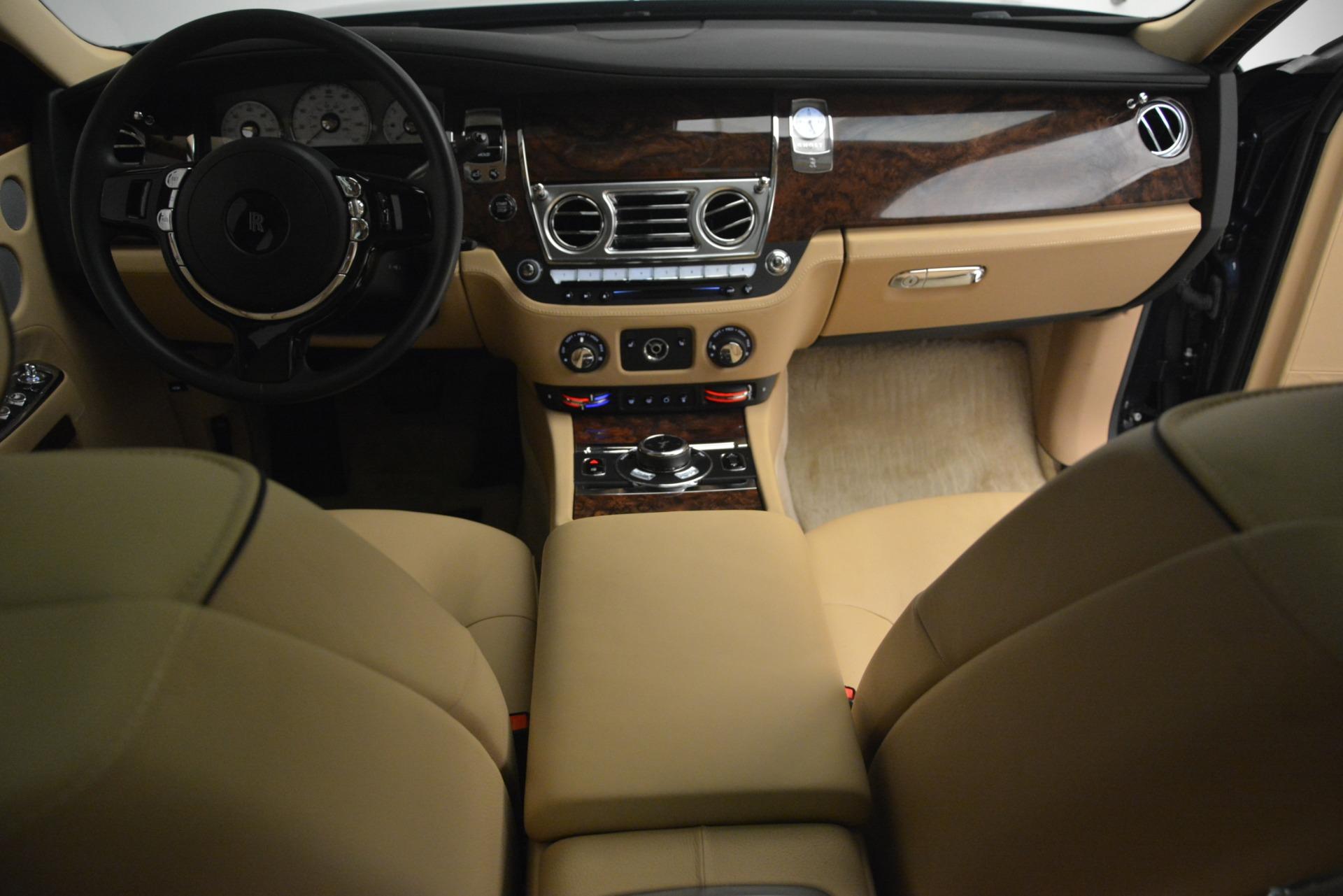Used 2014 Rolls-Royce Ghost  For Sale In Westport, CT 2990_p39