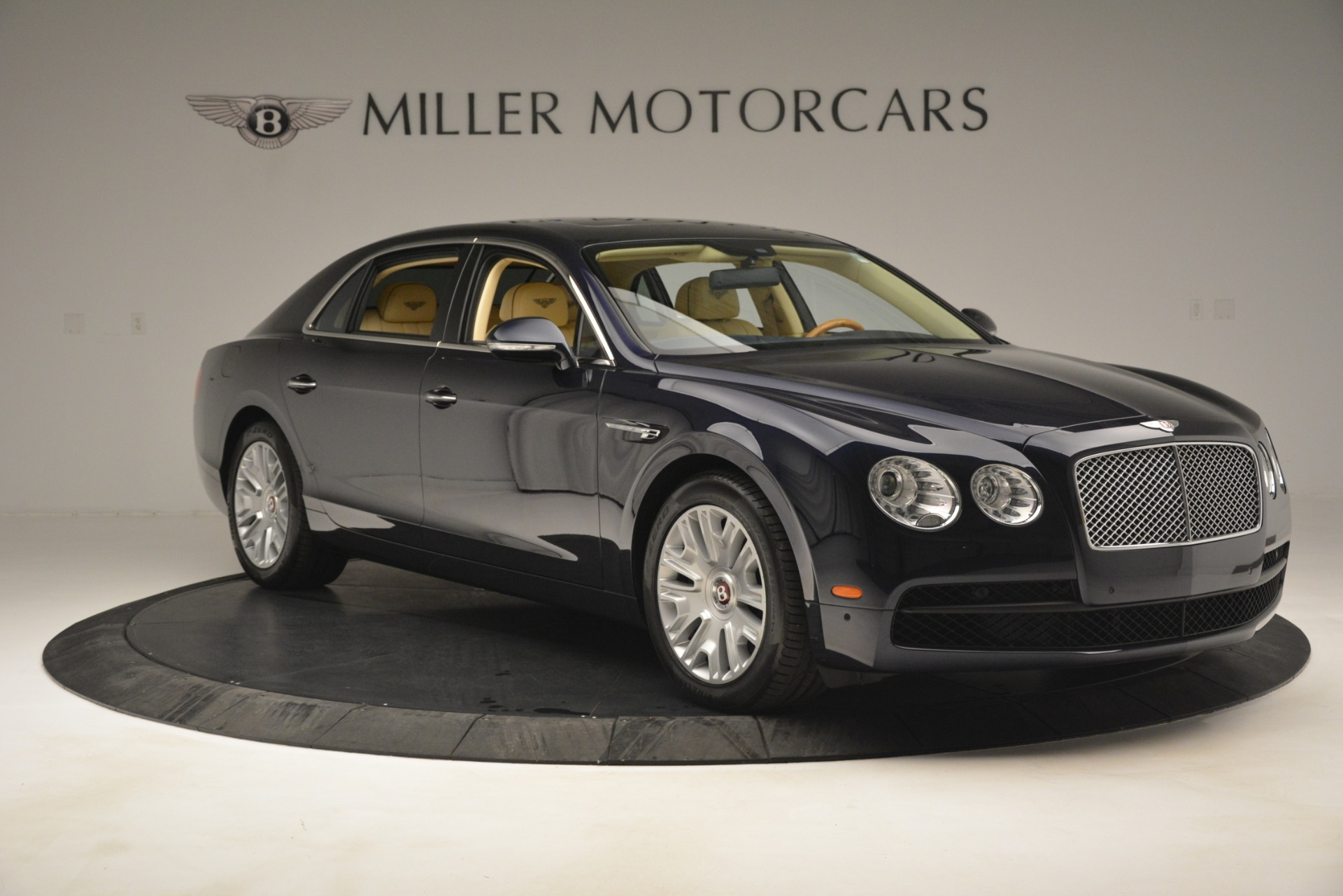 Used 2015 Bentley Flying Spur V8 For Sale In Westport, CT 2997_p10