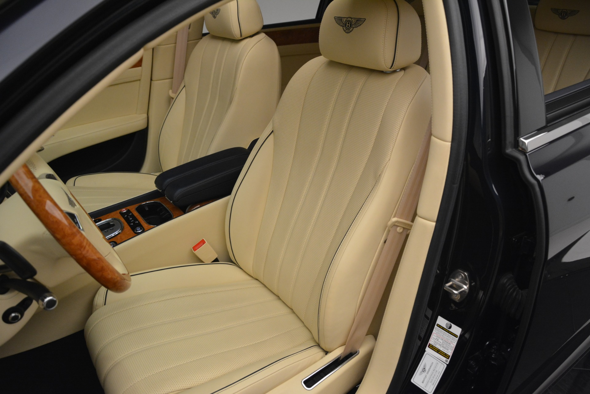 Used 2015 Bentley Flying Spur V8 For Sale In Westport, CT 2997_p18