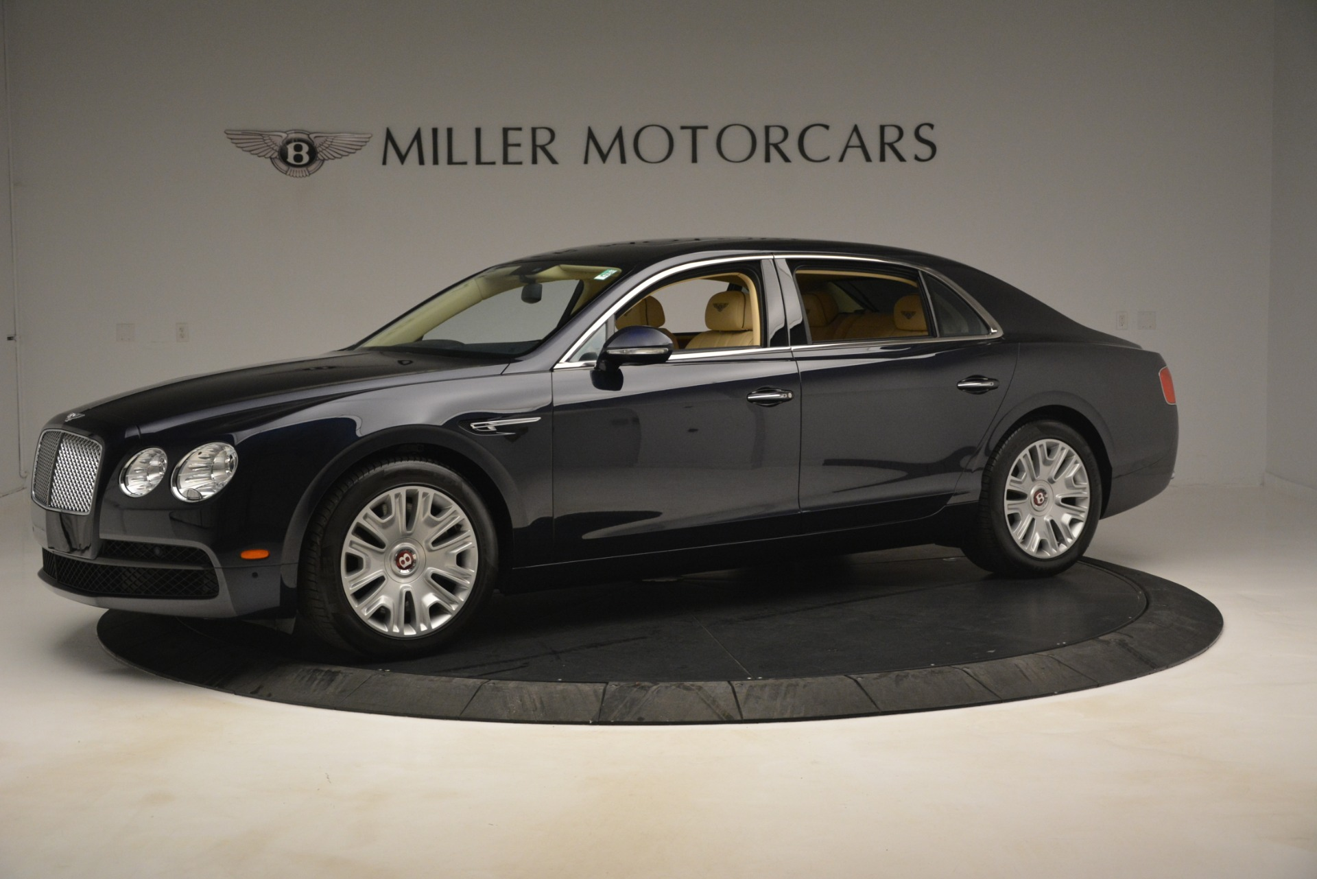 Used 2015 Bentley Flying Spur V8 For Sale In Westport, CT 2997_p2