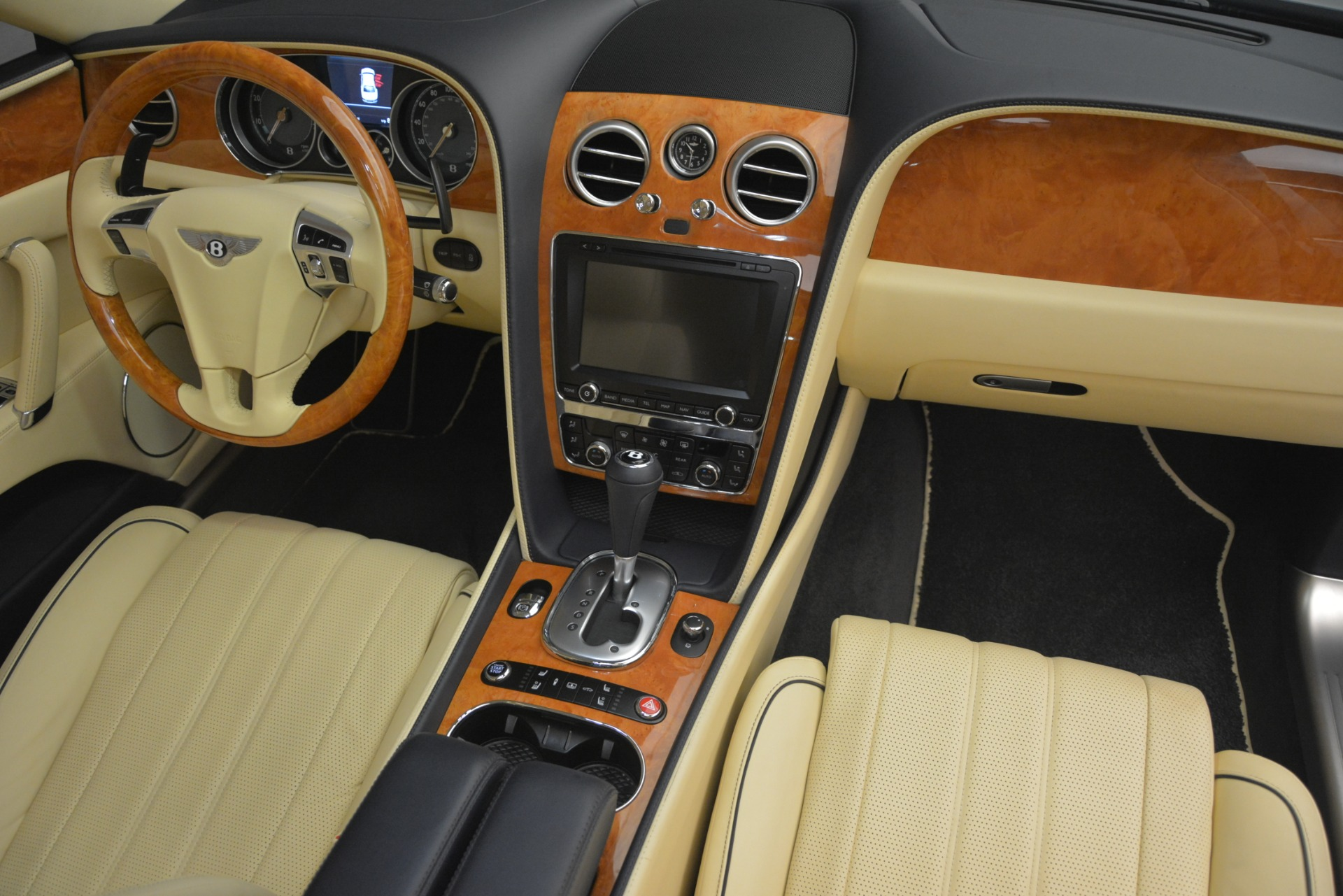 Used 2015 Bentley Flying Spur V8 For Sale In Westport, CT 2997_p32