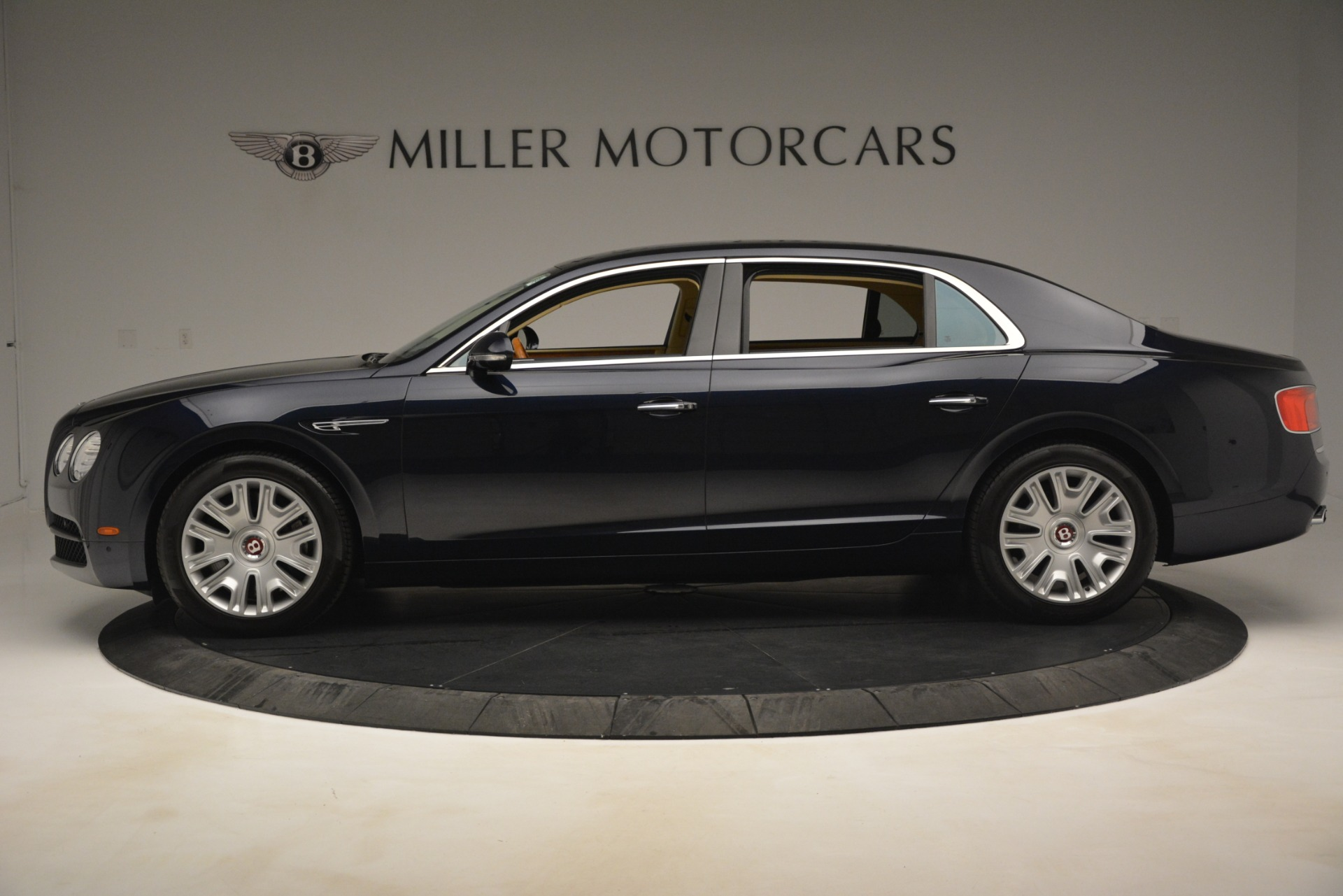 Used 2015 Bentley Flying Spur V8 For Sale In Westport, CT 2997_p3