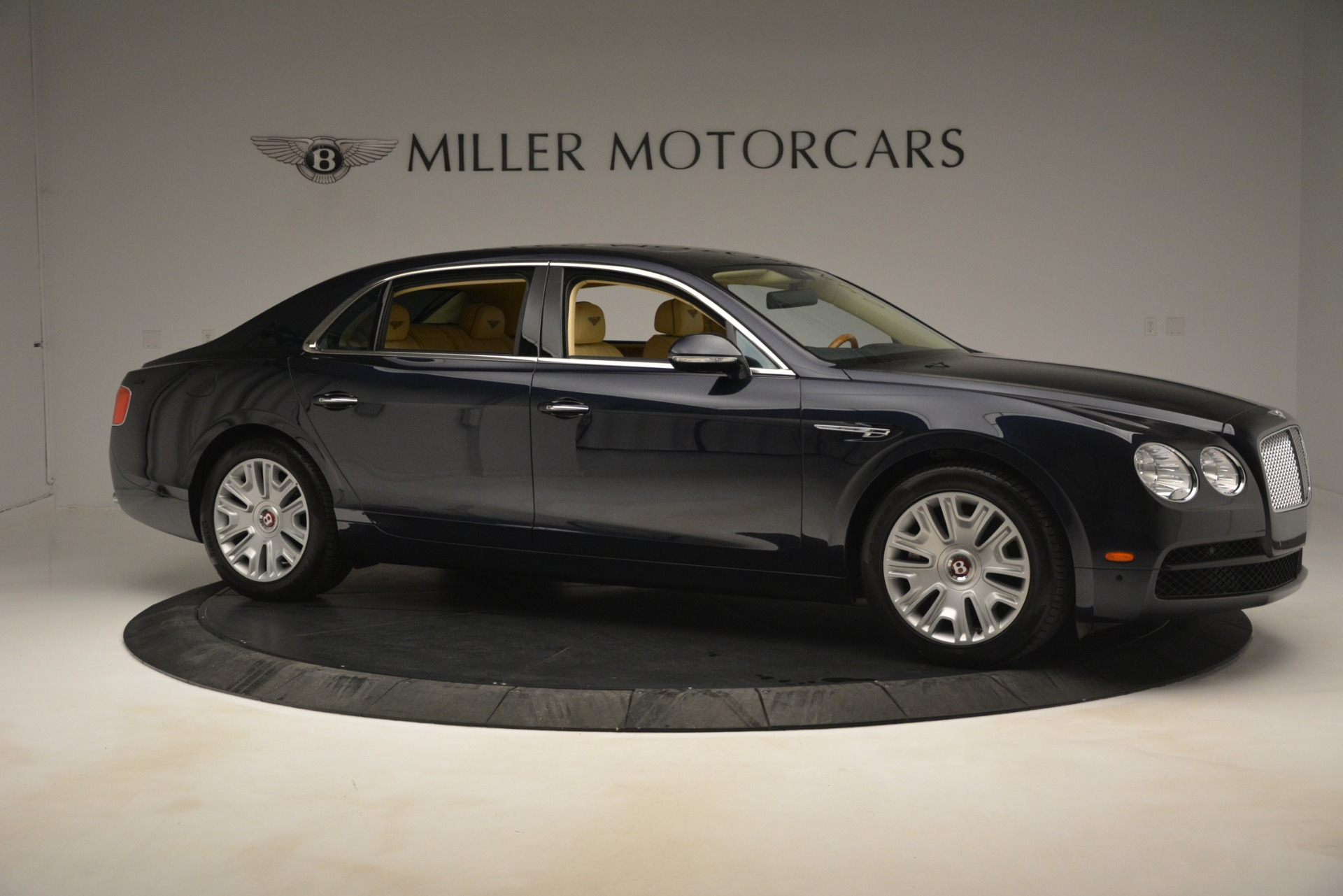 Used 2015 Bentley Flying Spur V8 For Sale In Westport, CT 2997_p9